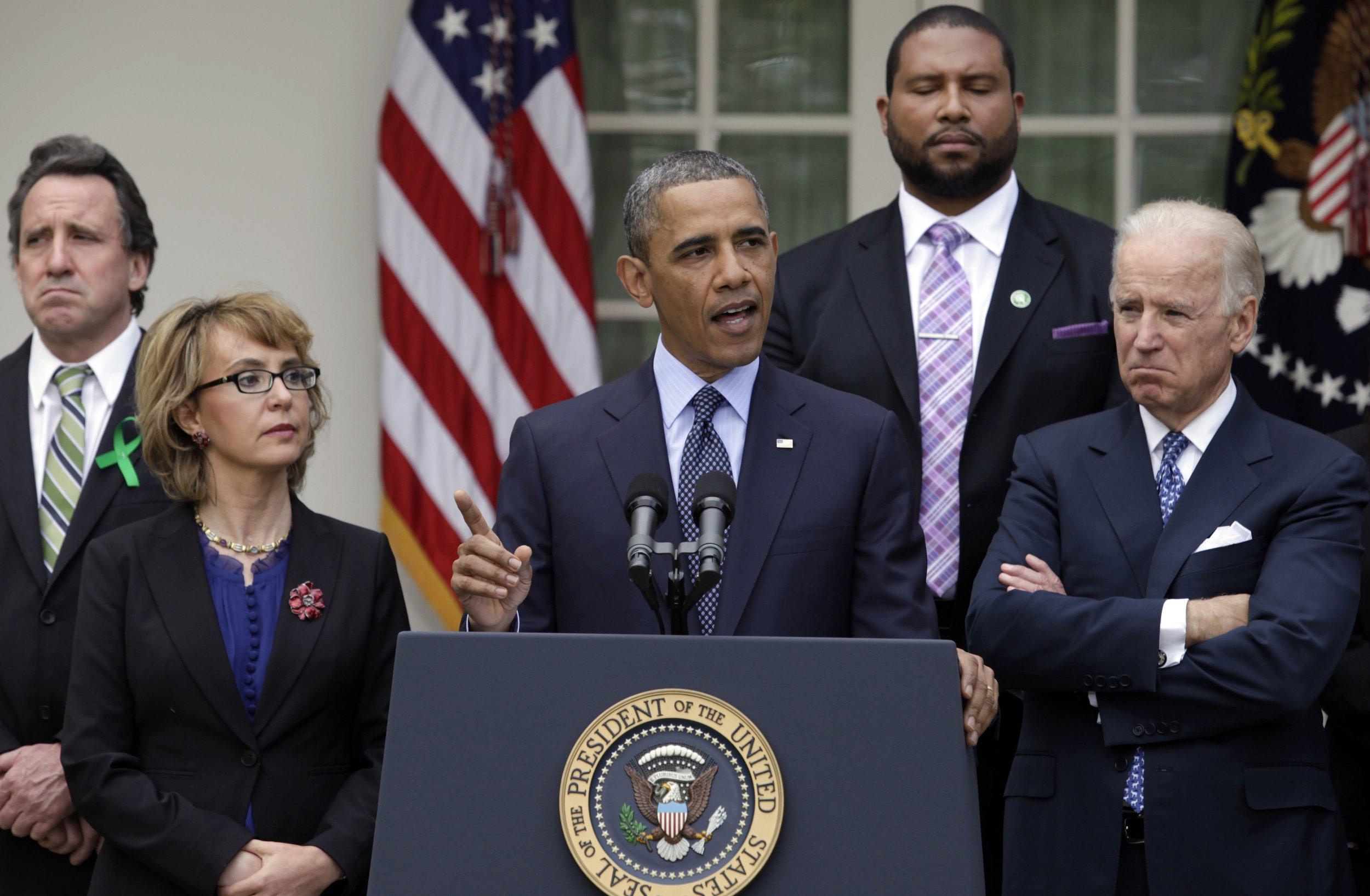 0104_Obama_executive_action_guns_01