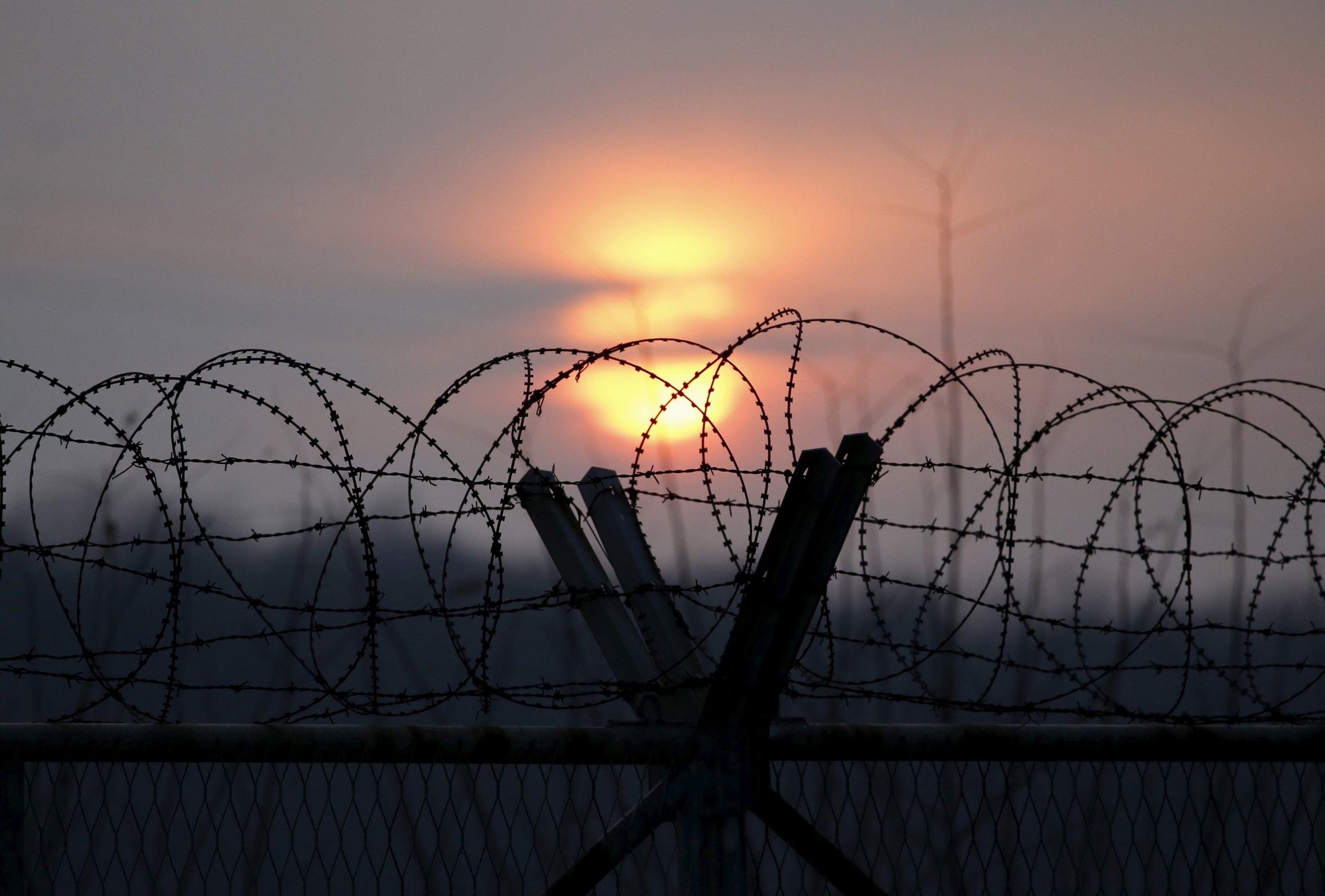0106_NorthKorea_South_Test_01