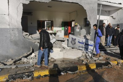 0107_Libya_car_bomb_01