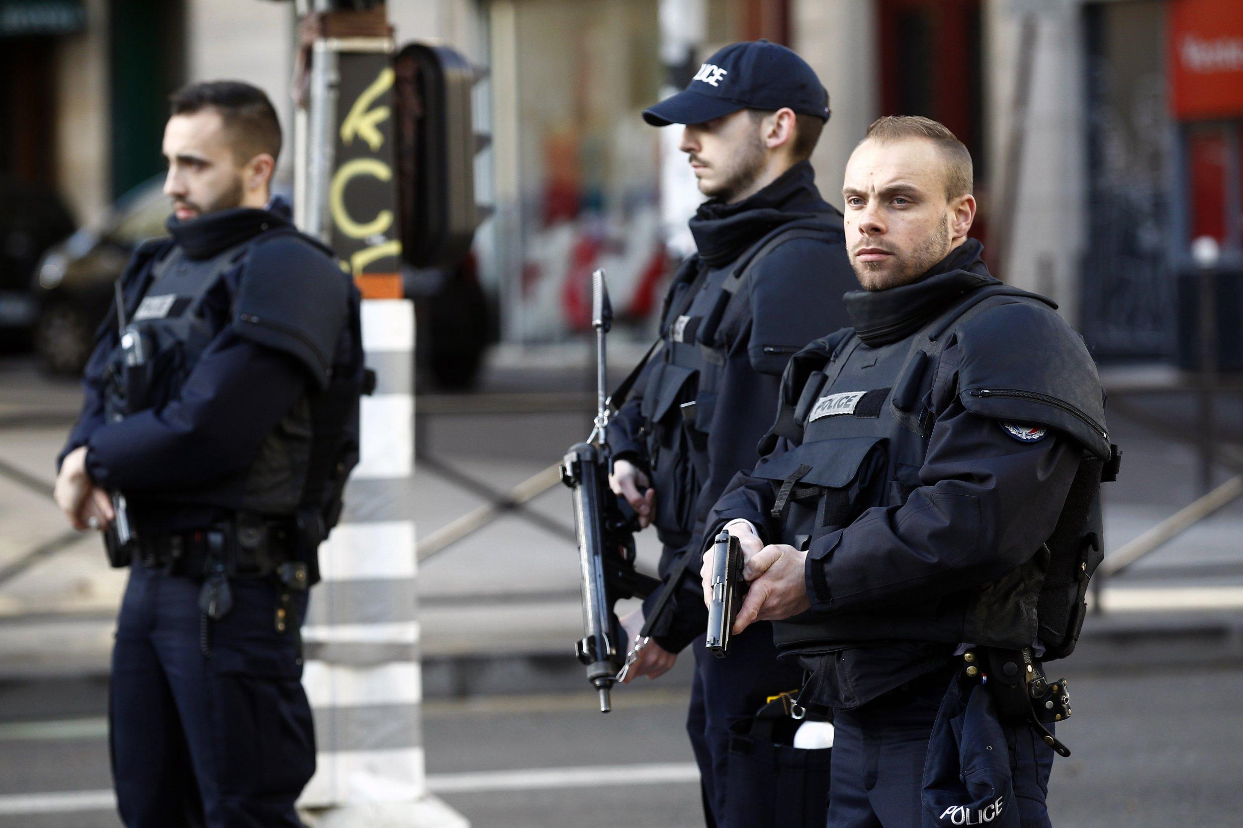 0107_Paris_police
