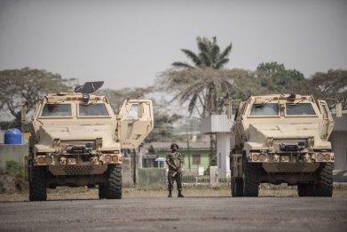 0108_Nigerian_soldier_US_vehicles
