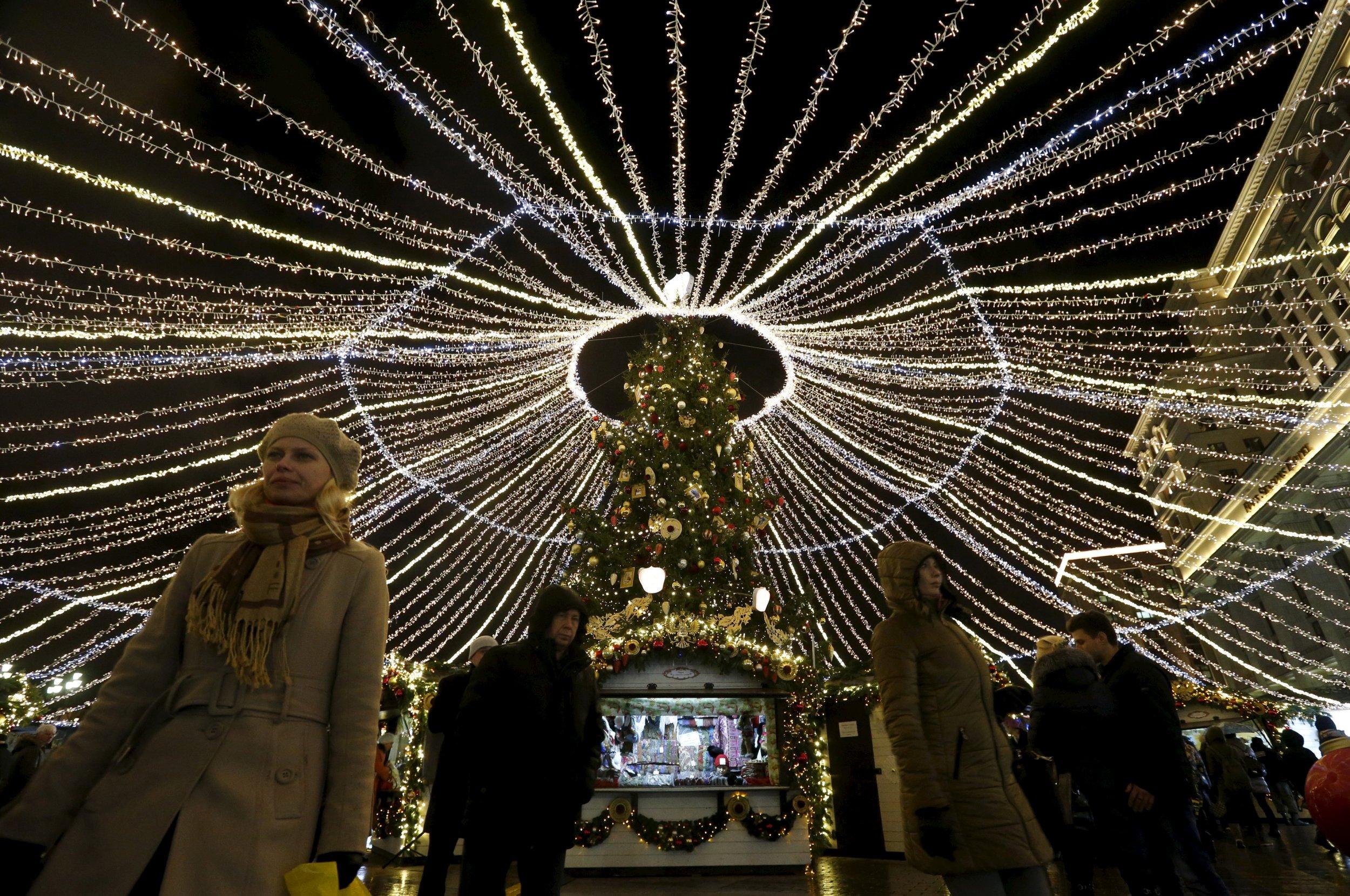 0108_Christmas_Pie_Russia