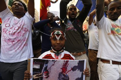 08_01_Ethiopia_protesters