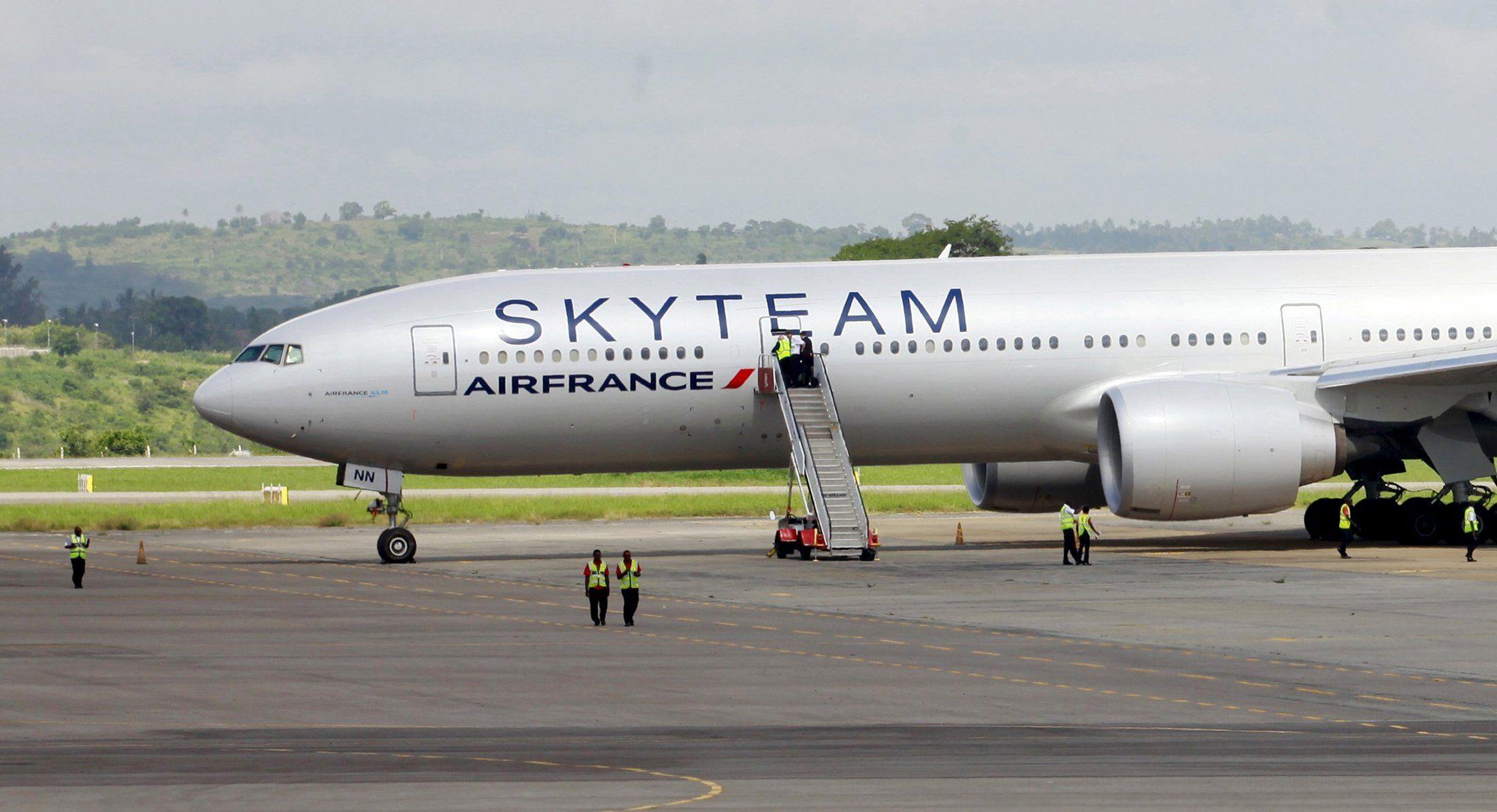 air france paris attacks revunue_0111
