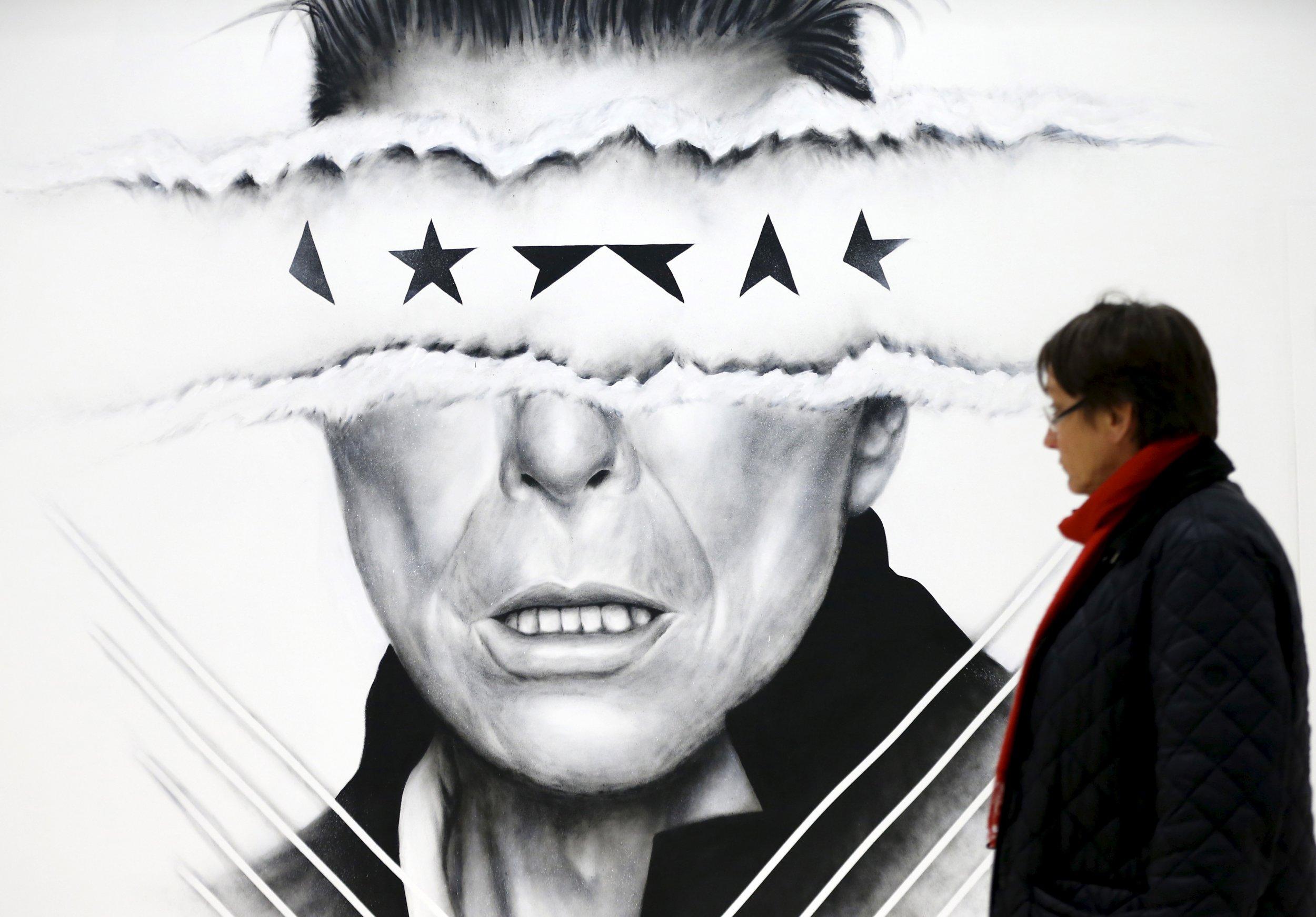David Bowie Left Hints About His Death on Eerie New Album