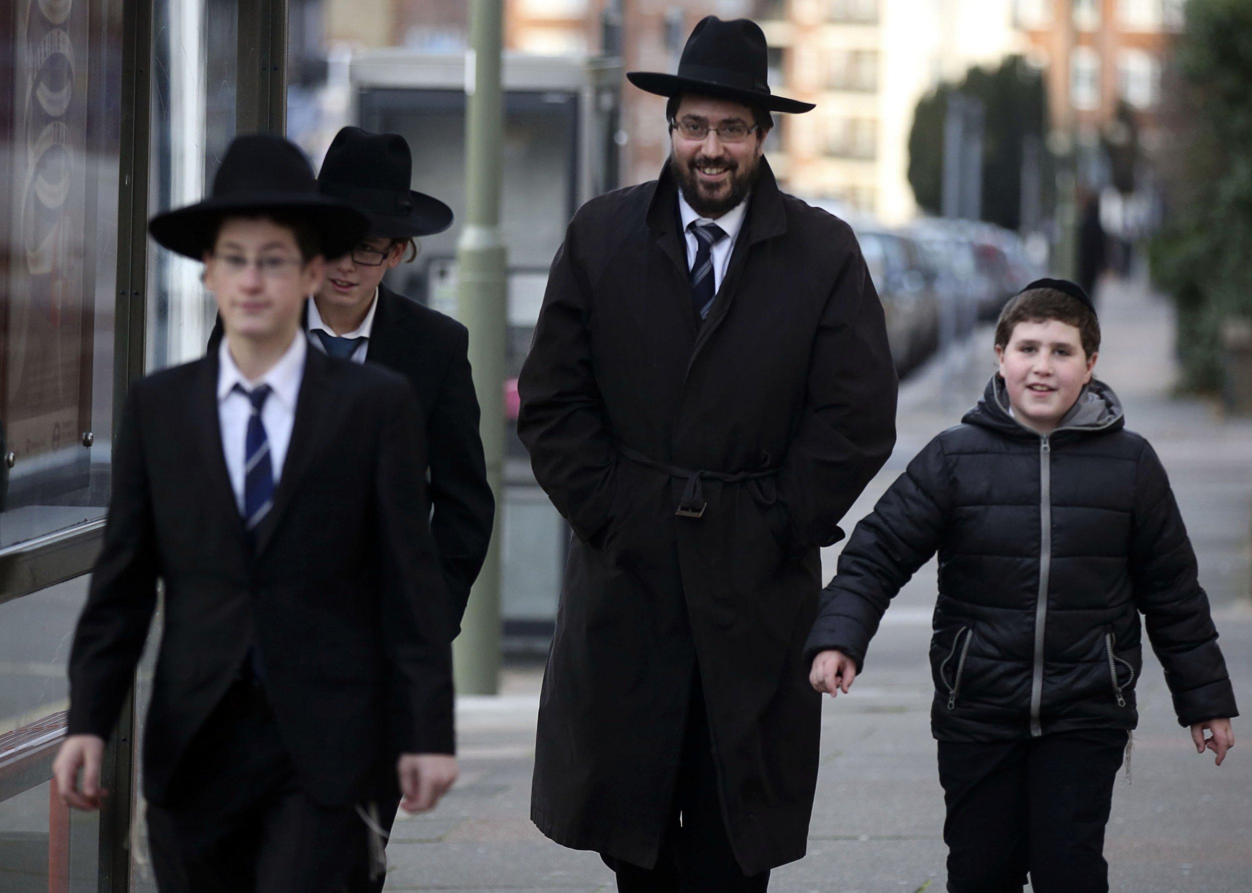 0112_London_Jews_France_01