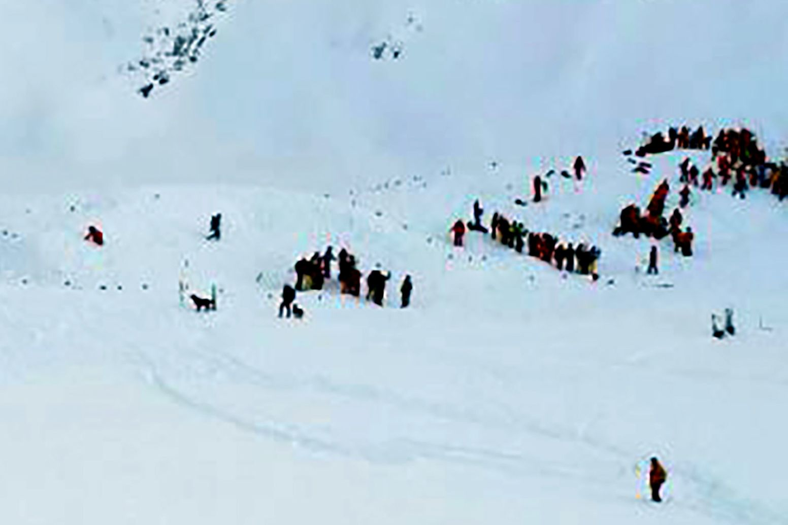 0113_French_Alps_Avalanche_01