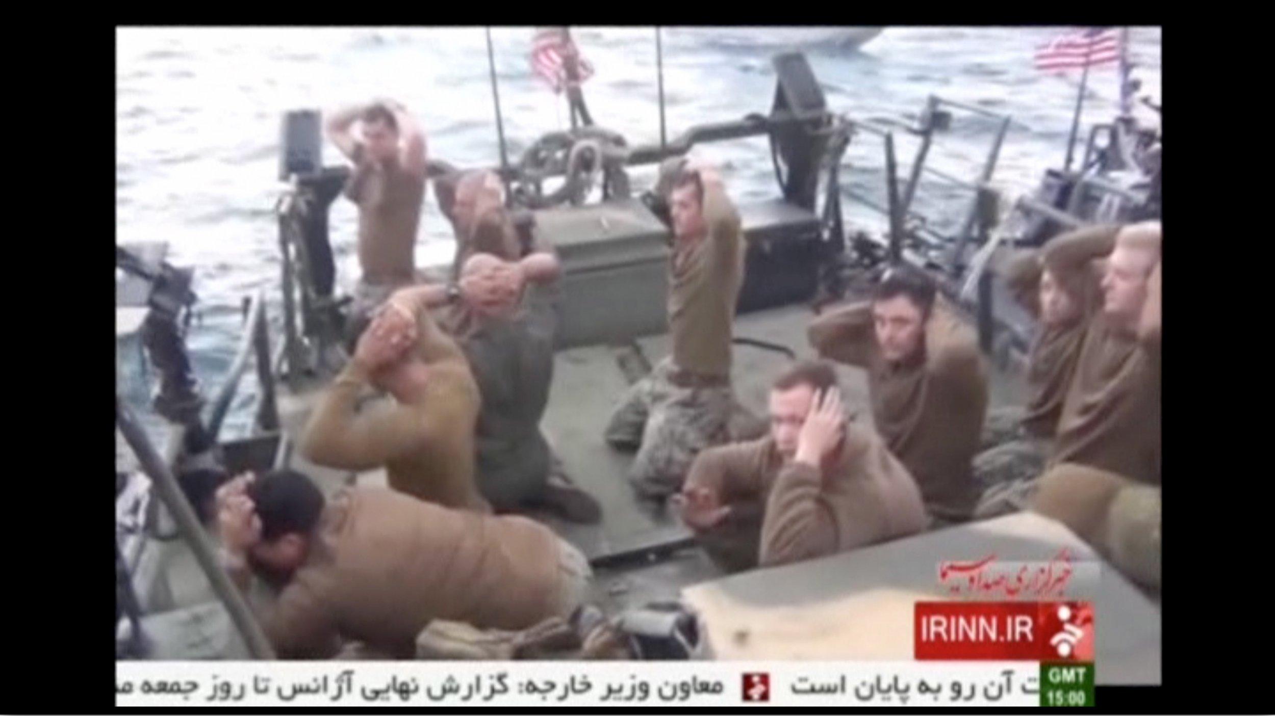 2016-01-13T195806Z_1_LYNXNPEC0C1A4_RTROPTP_4_USA-IRAN-BOATS