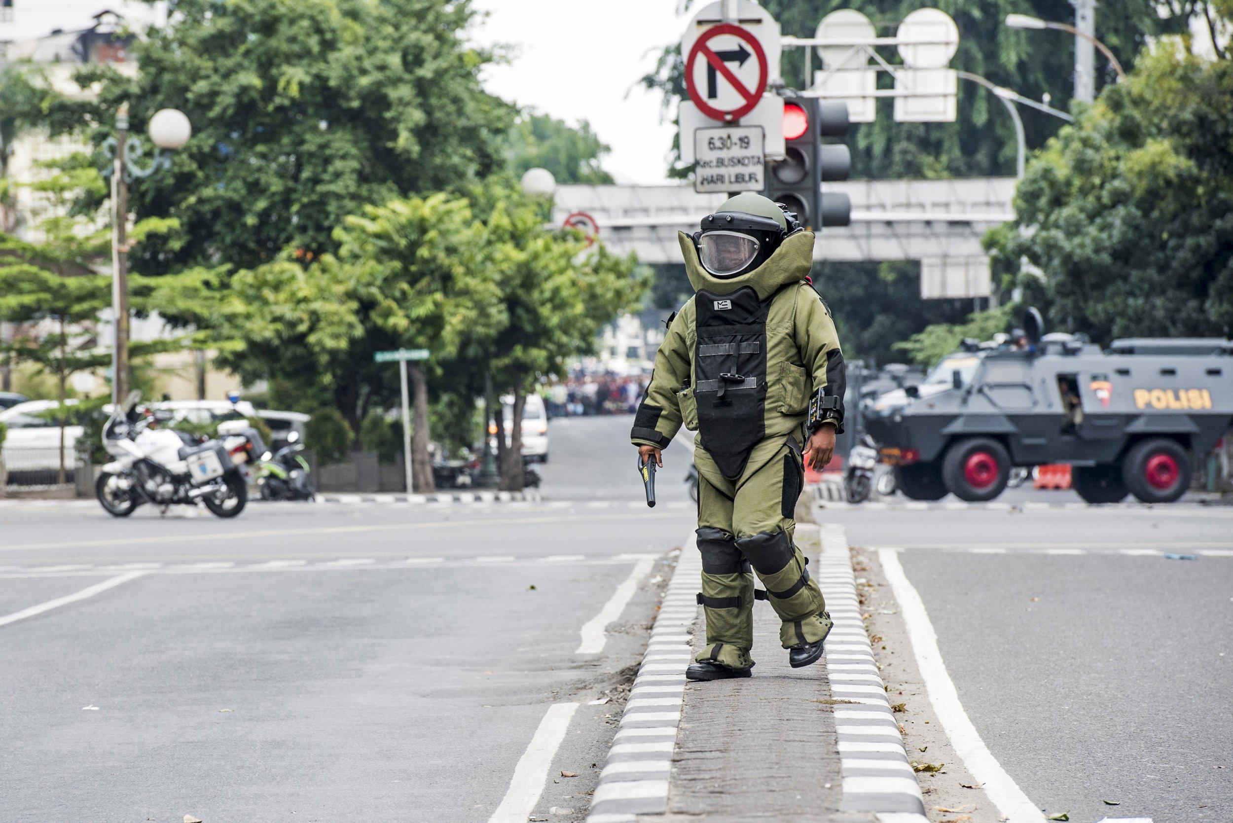 0114_Jakarta_bomb_squad