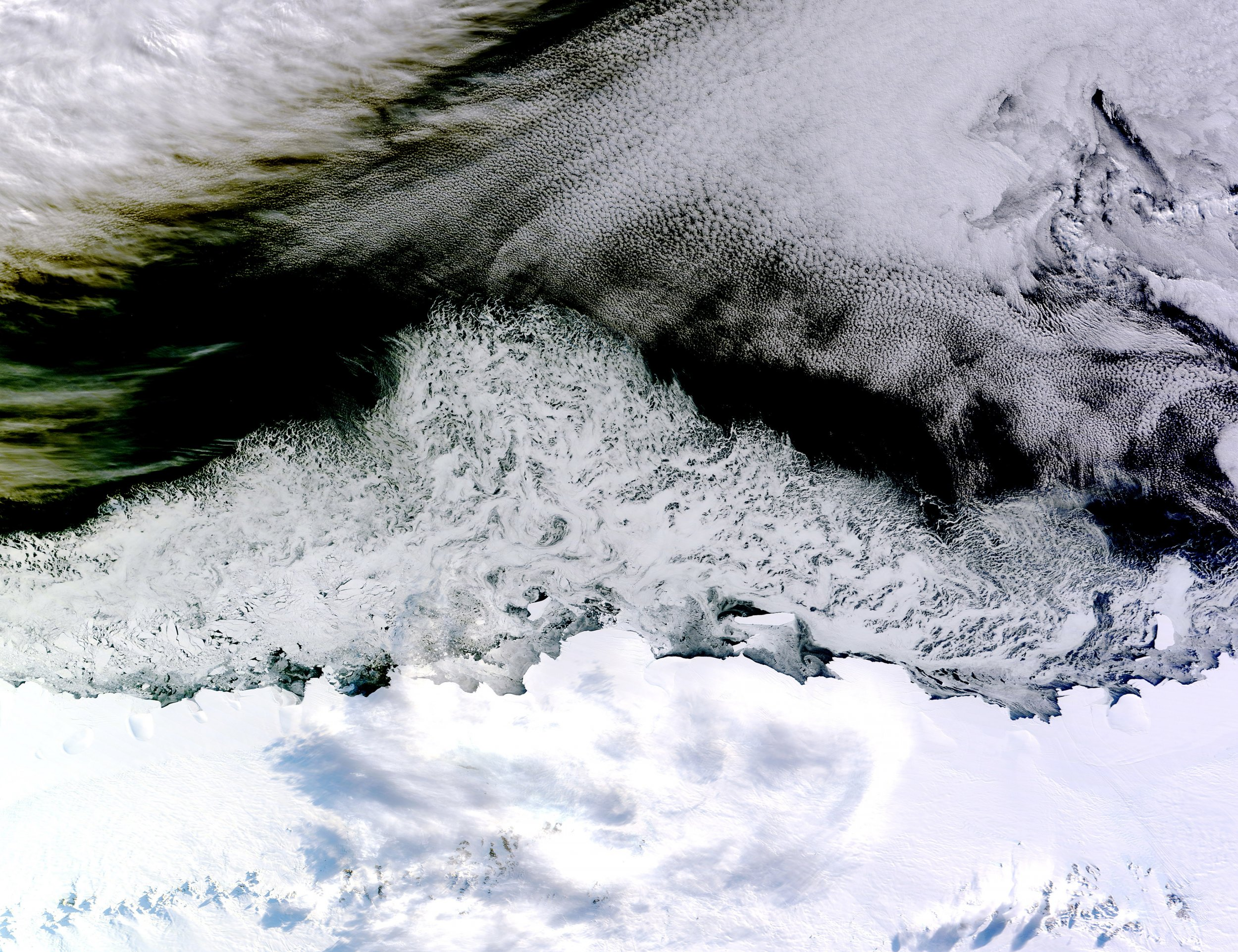 Massive Canyon Found in East Antarctica