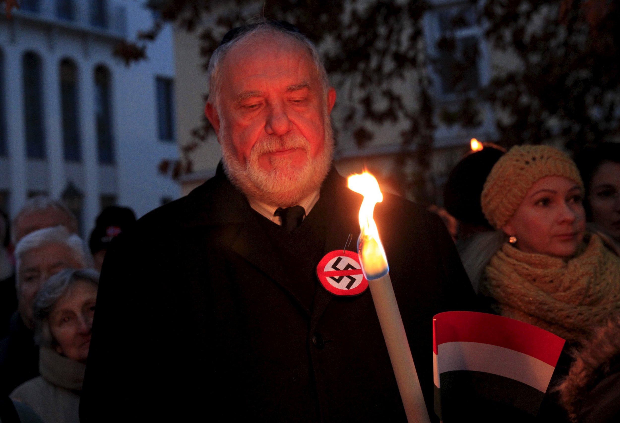 1_13_Hungary_Jews