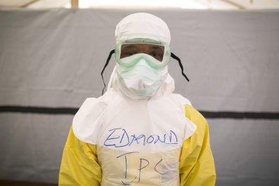 0115_Ebola_health_worker
