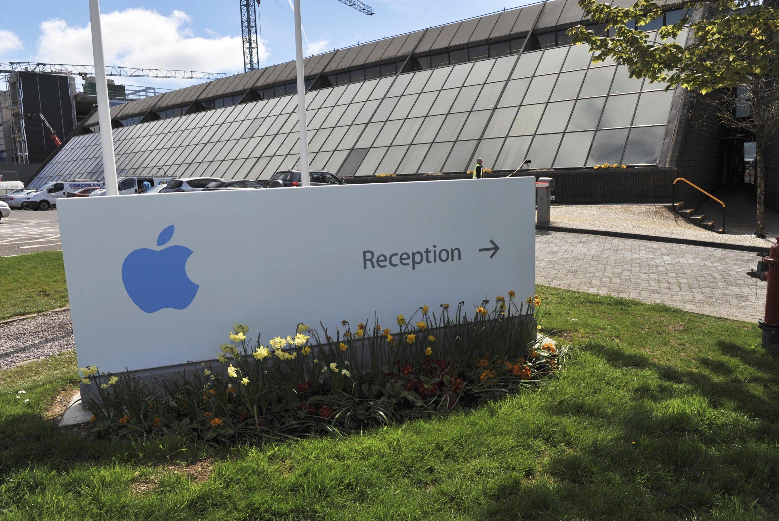 Apple bomb scare