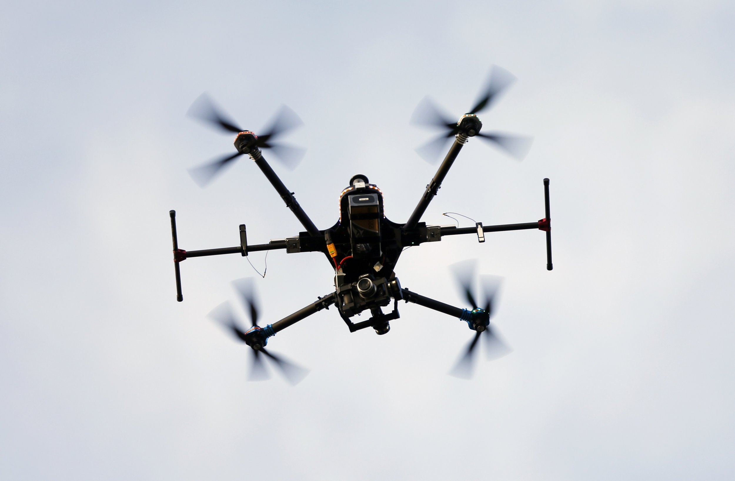 Drone Used To Smuggle Drugs And Porn Into Prison-7138