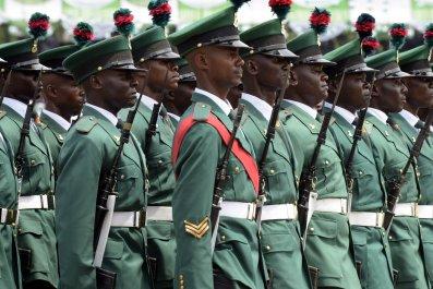 0121_Nigeria_soldiers