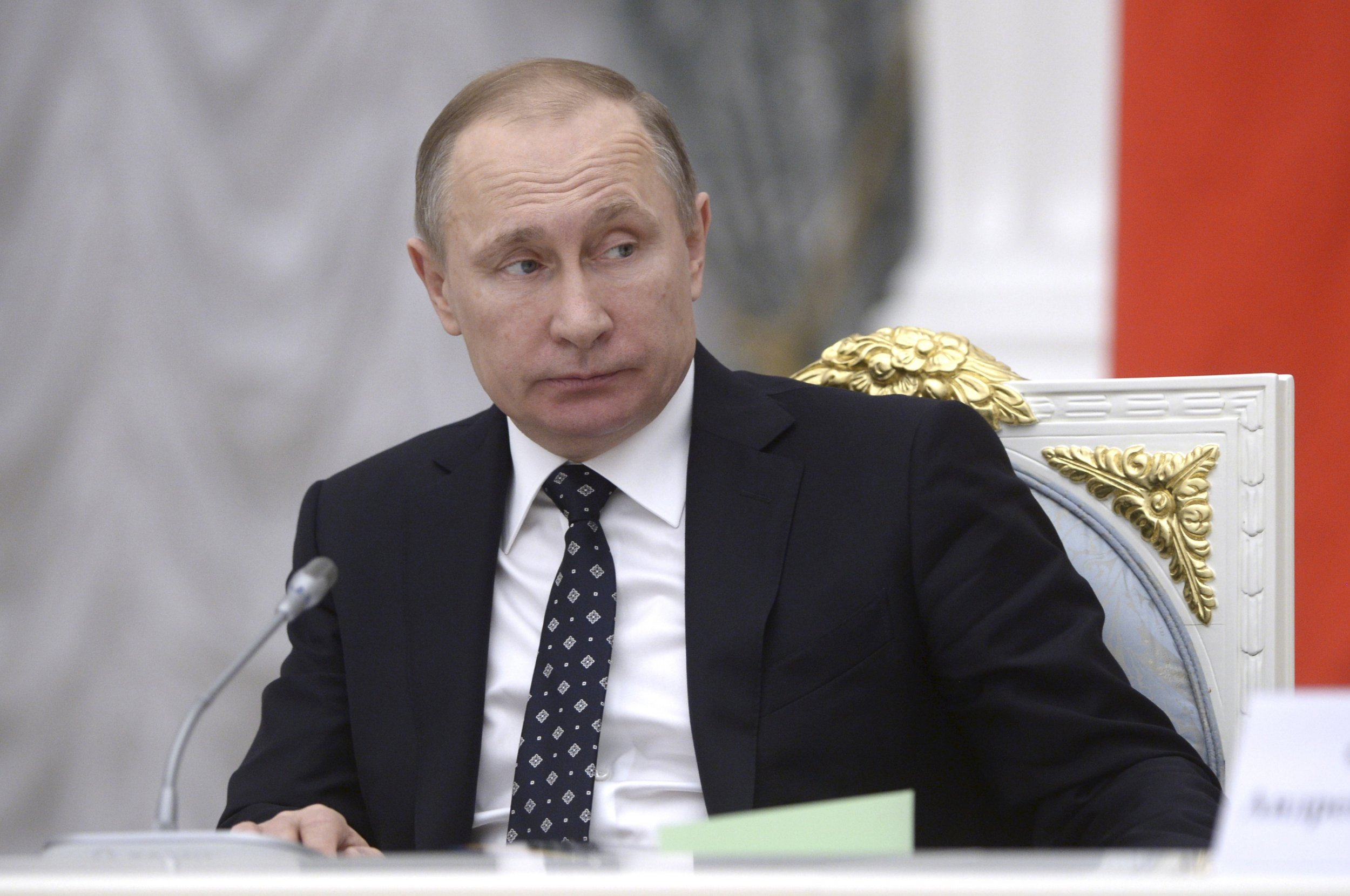 The tide is going out on putin