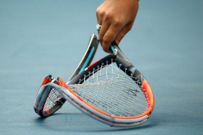 125_tennisracket_01