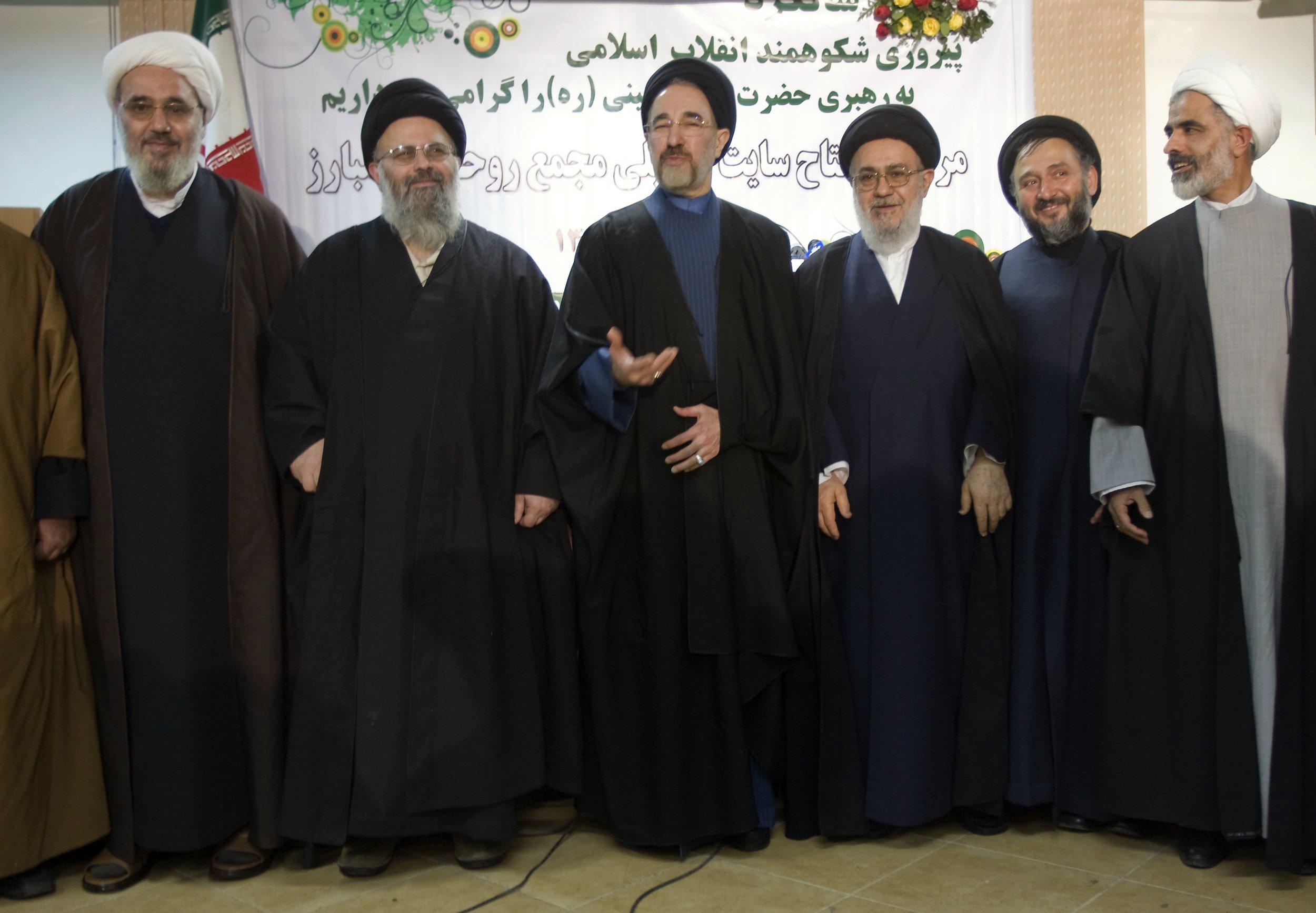 01_25_iranian_moderates_01