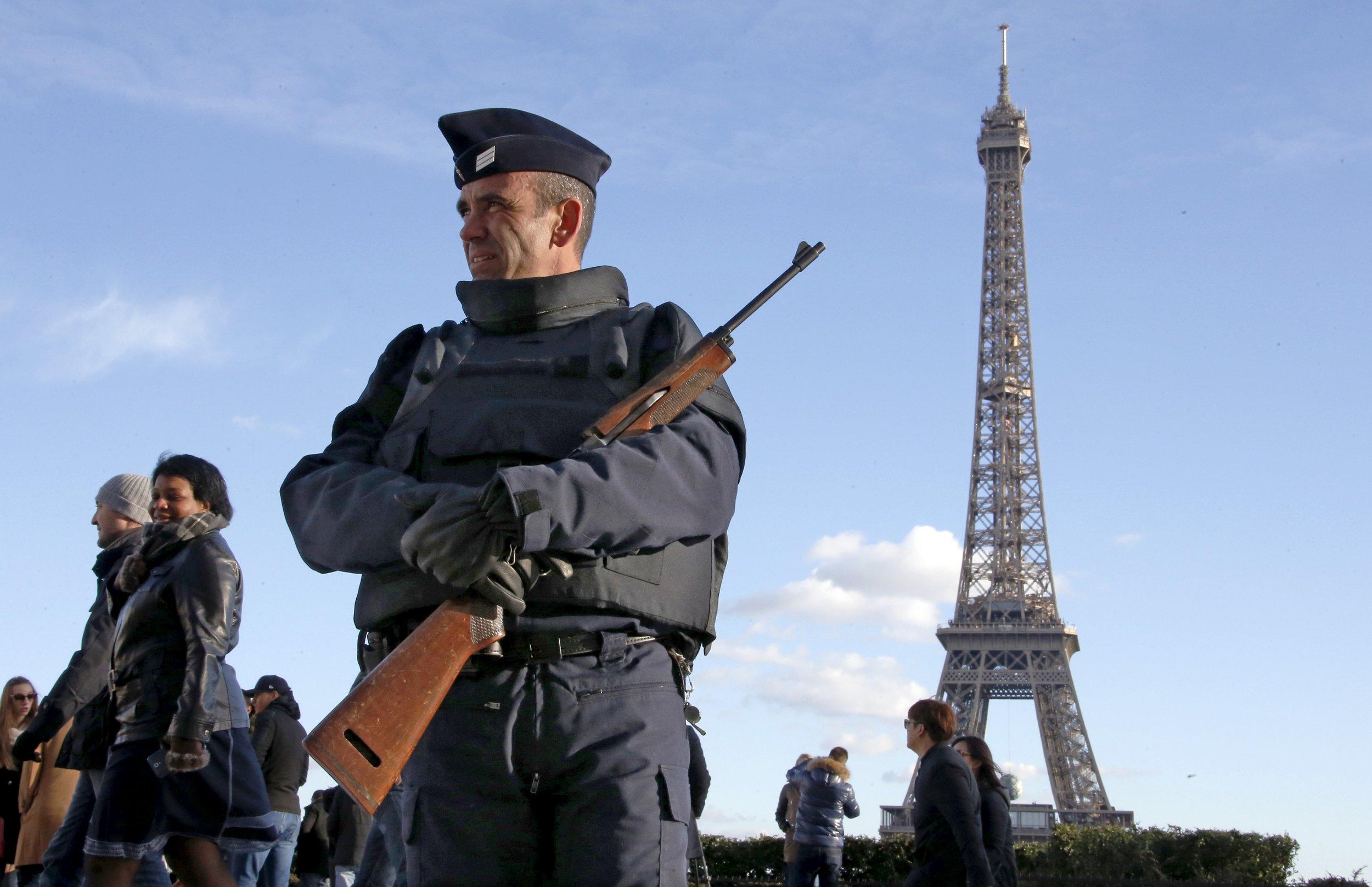 0126_Paris_Attacks_Finance_01