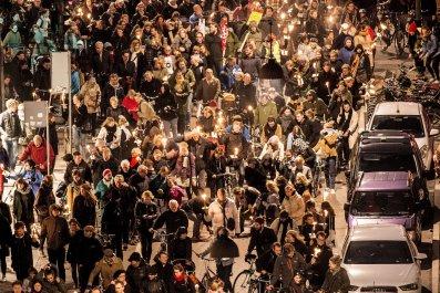 0126_Denmark_refugees_march