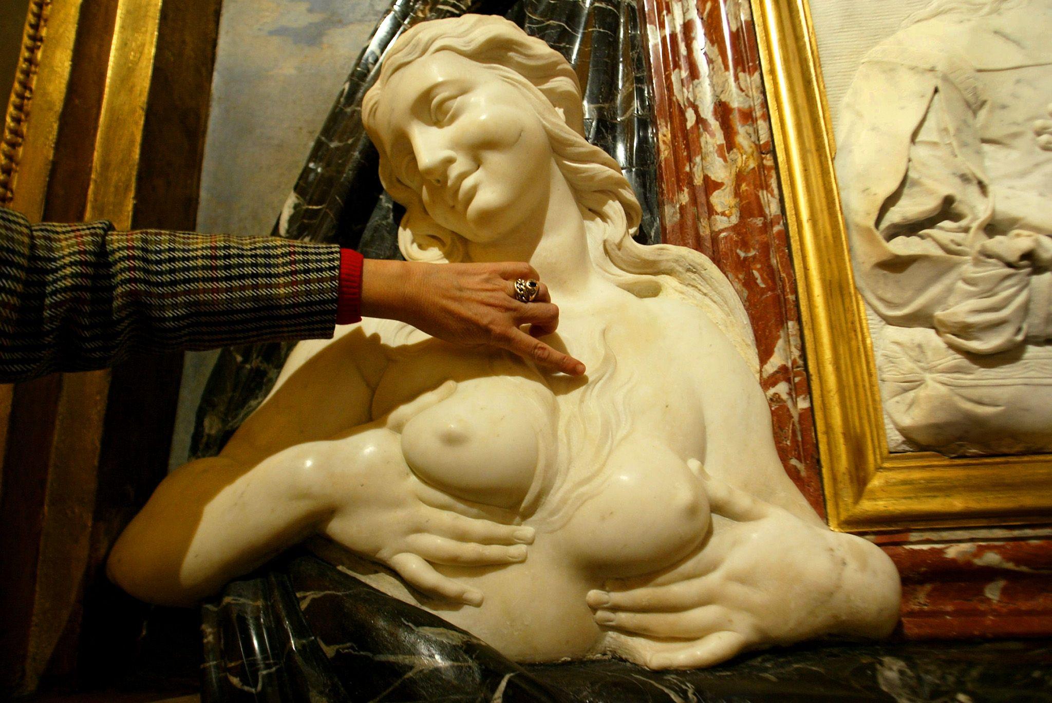 1_30_Rome_Statue