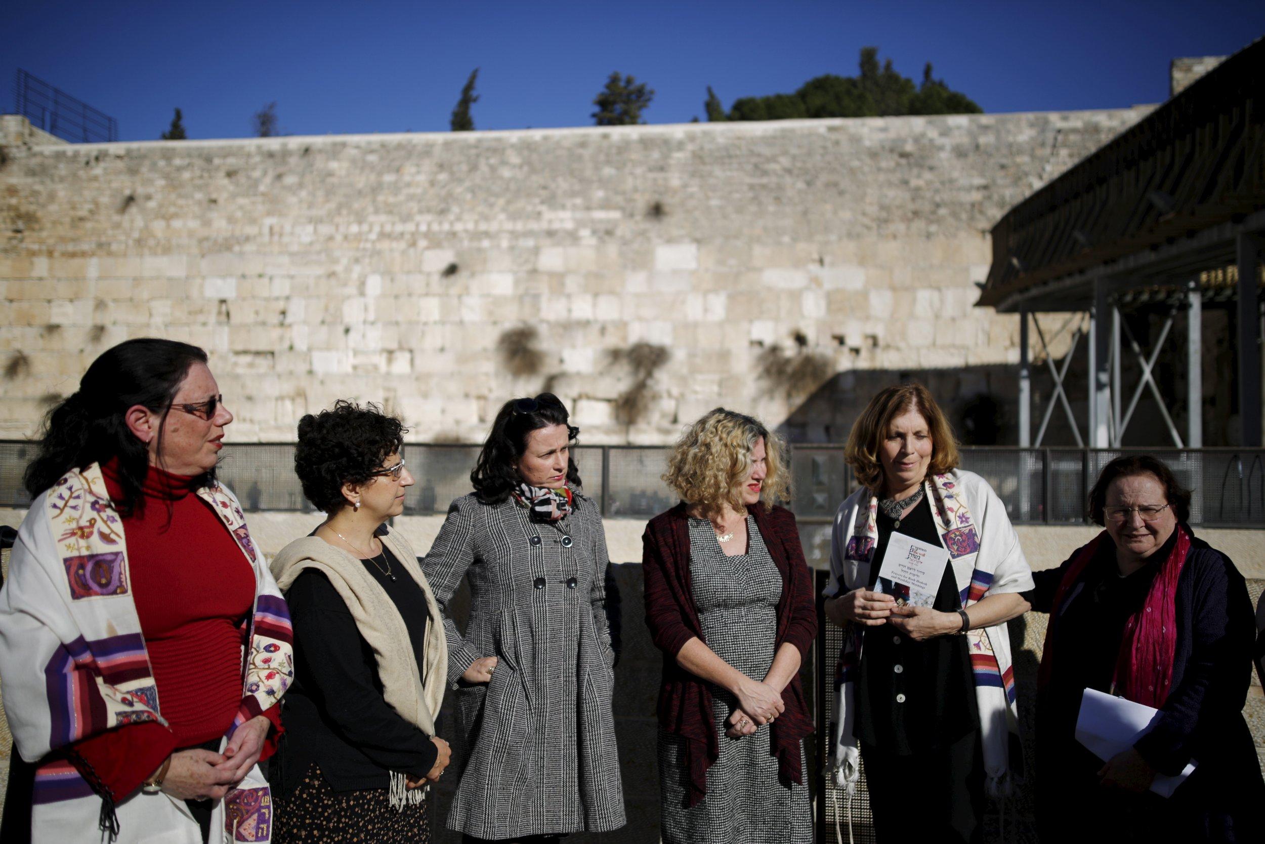 0131_western_wall_women_jerusalem