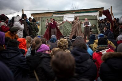 Hamlet performance Calais Jungle