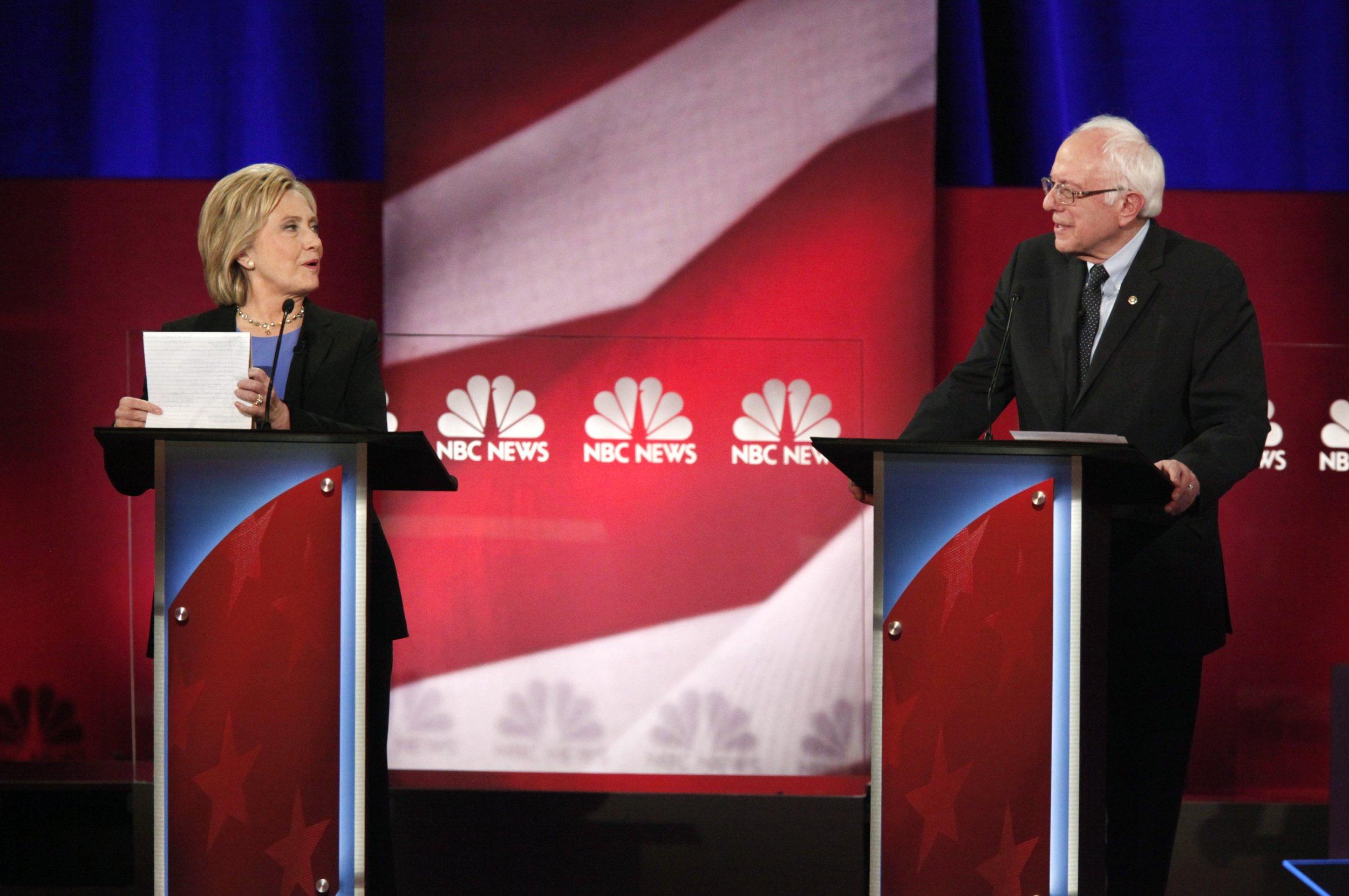 0204_Democratic_debate_01