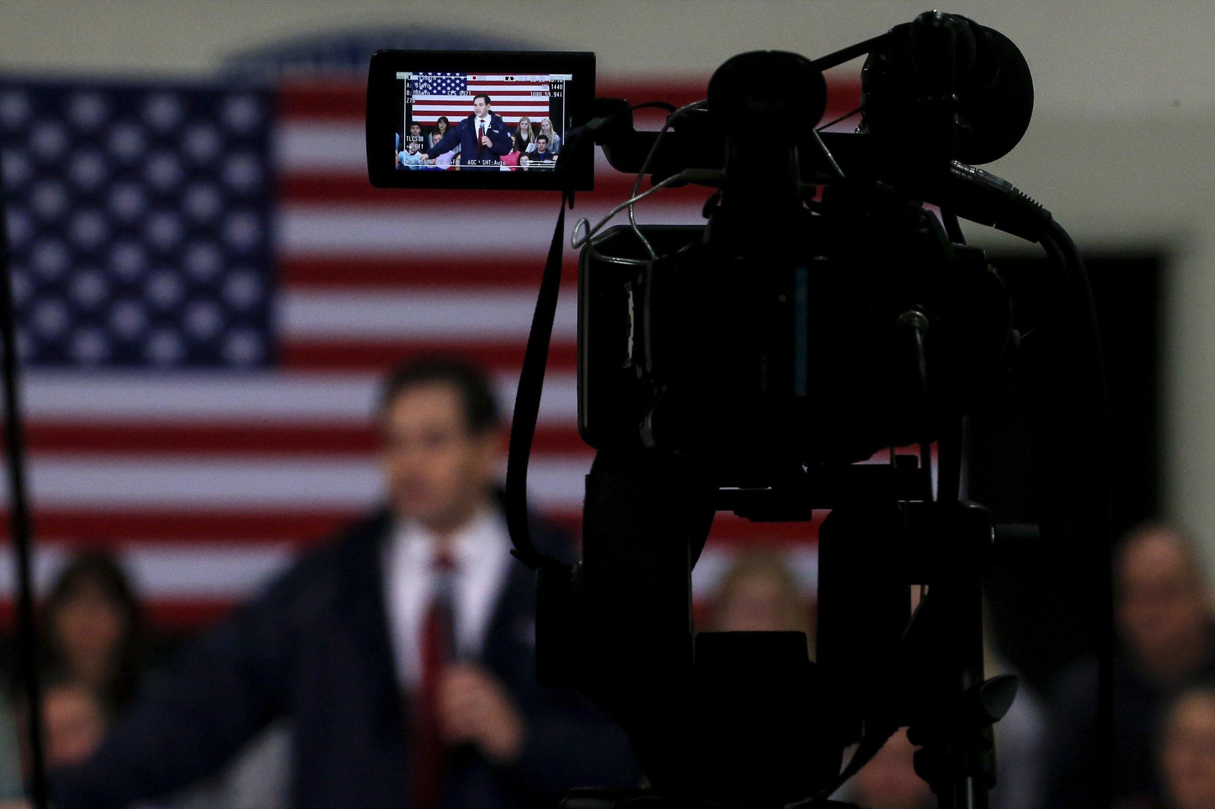 0204_Republican_debate_New_Hampshire_01