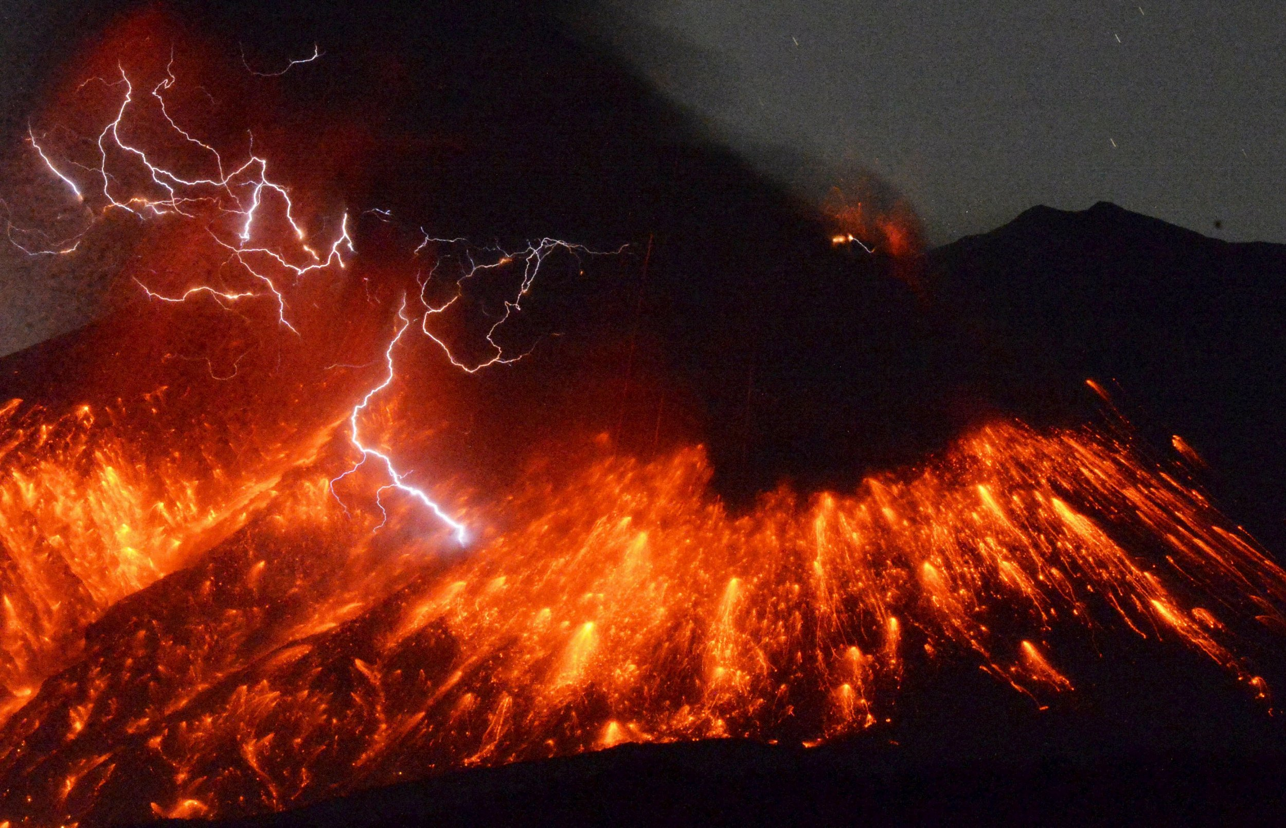 sakurajima volcano japan eruption_0205