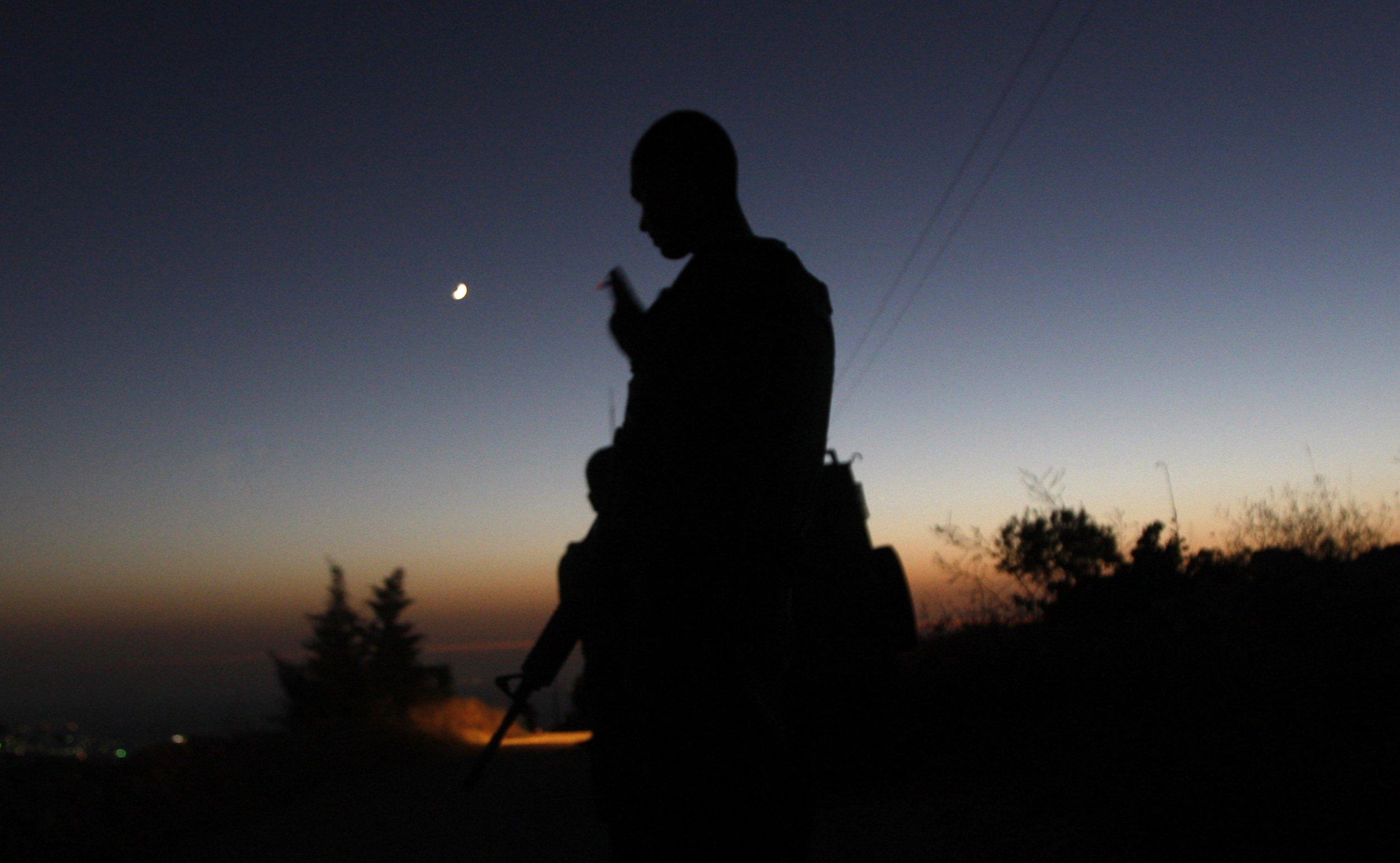 2_8_Israel_Soldier