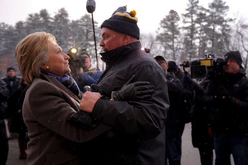 hillary in new hampshire_0209