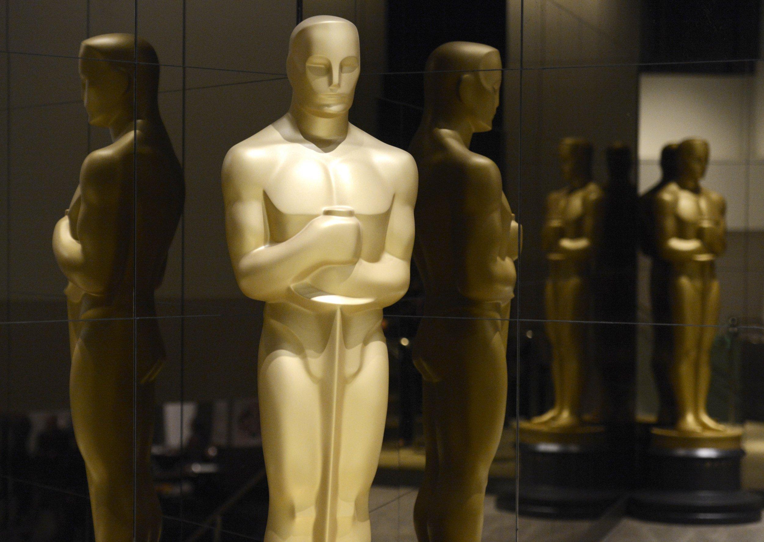 2-9-16 Oscar statuette