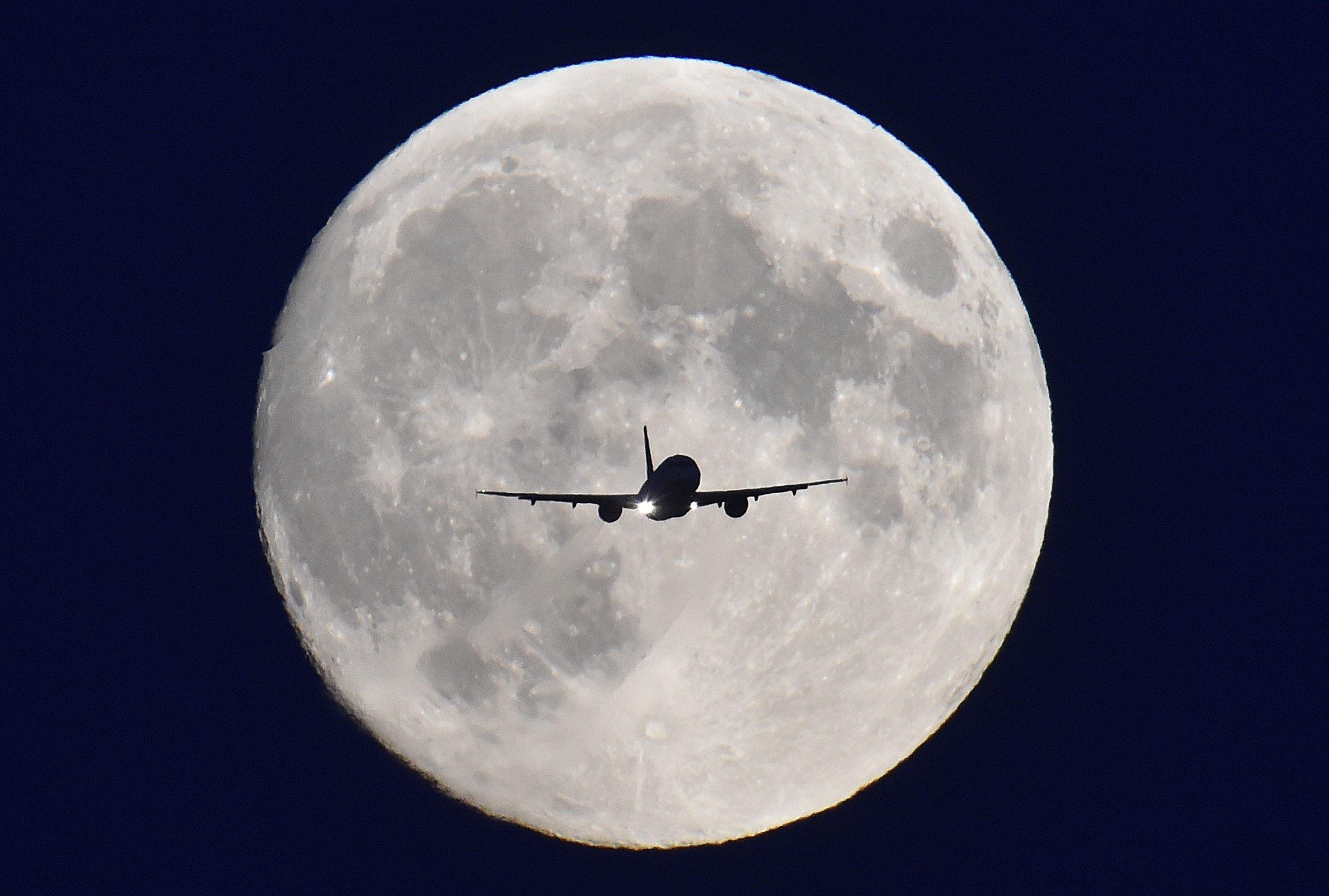 Climate Change Adds to Flight Time for Transatlantic Journeys