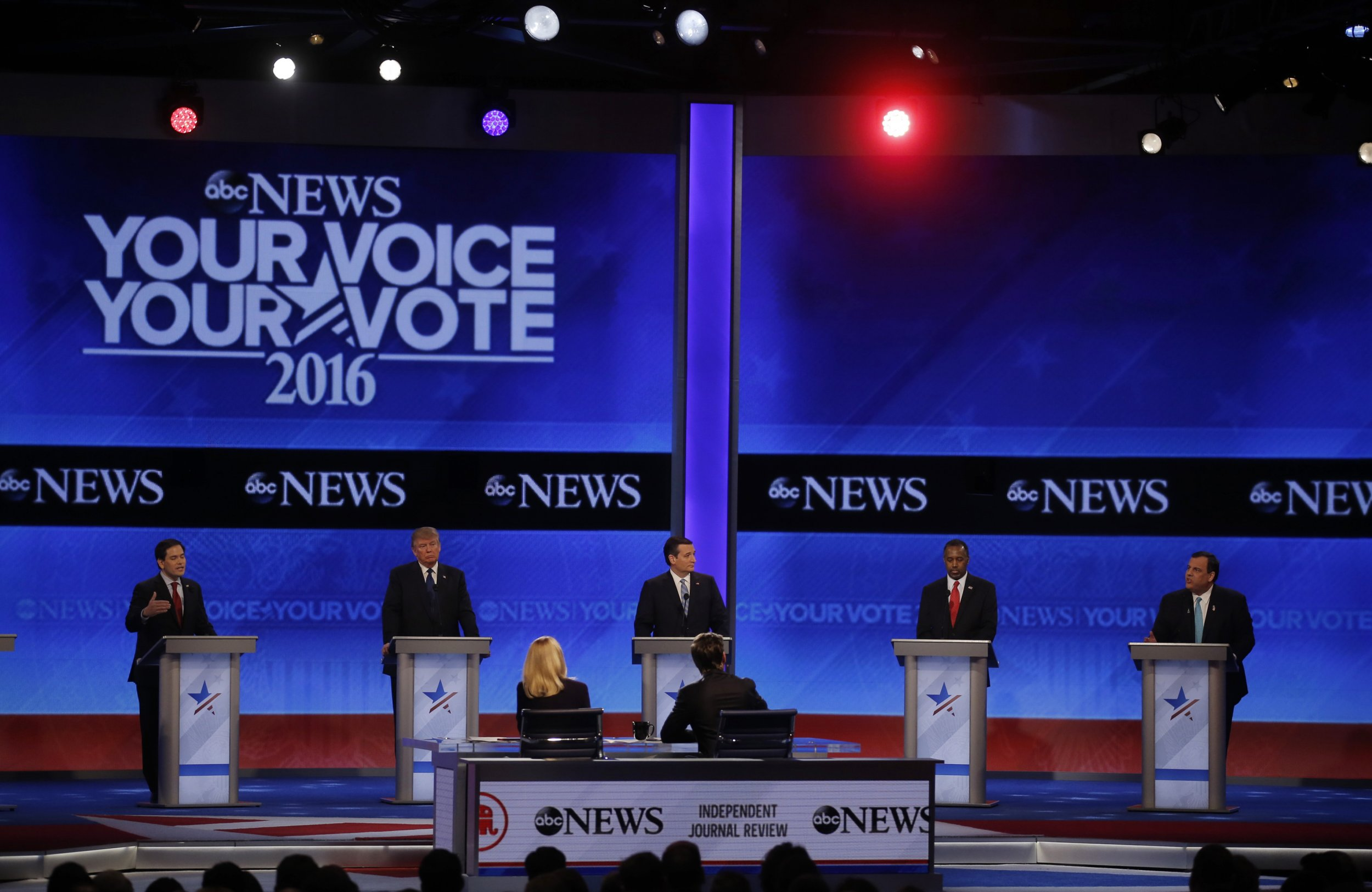 0211_debate_republicans_super_pac