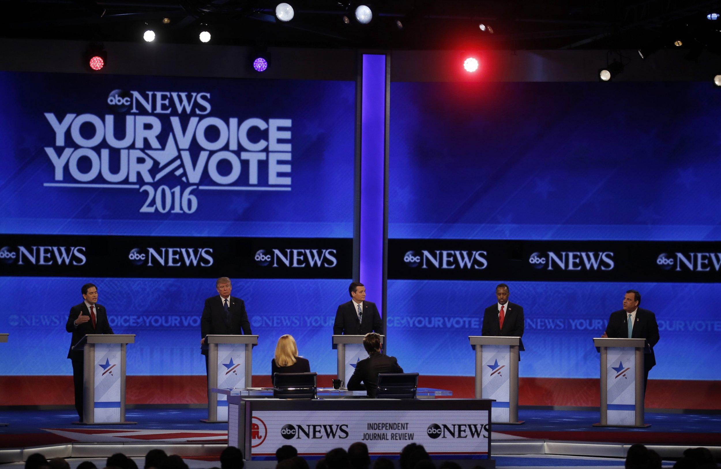 0211_debate_republicans_super_pac