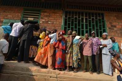 Bangui residents wait to vote in Central African Republic's elections