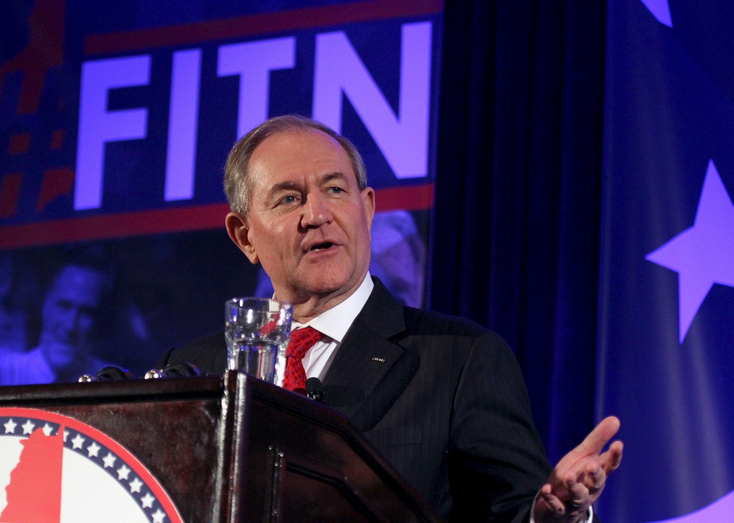 0212_Jim_Gilmore_suspends_campaign_01