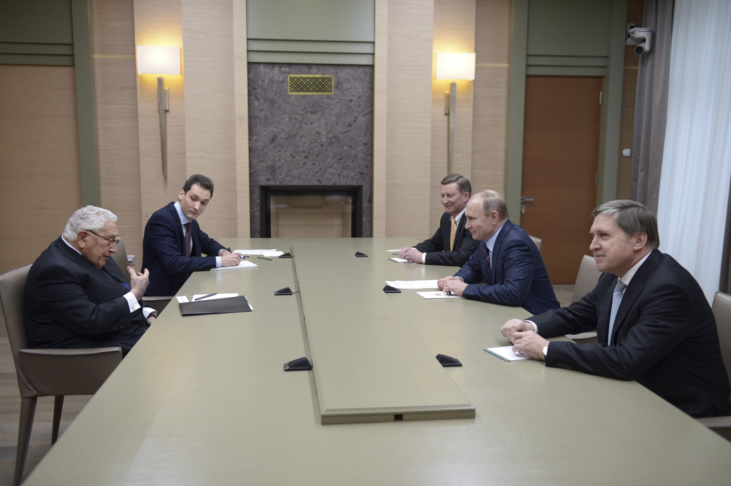 02_16_Putin_Kissinger_01