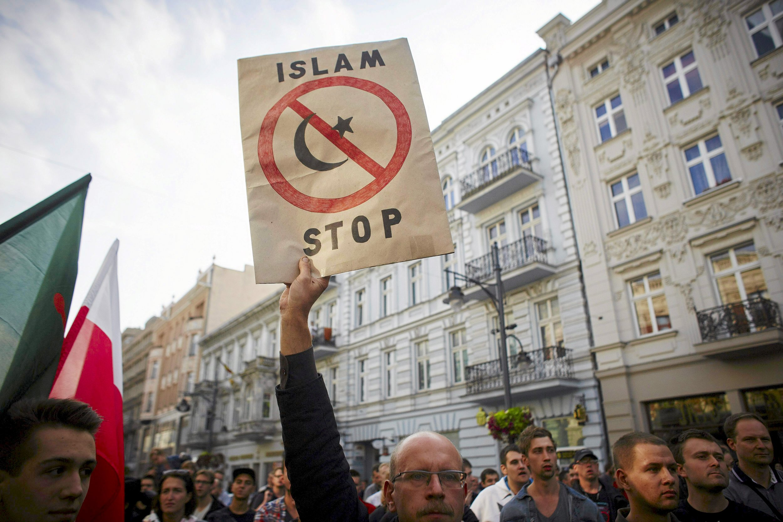 """poland muslim Why are polish people largely antagonistic towards muslims update then i would think """"antagonistic towards muslims there are muslims in poland."""