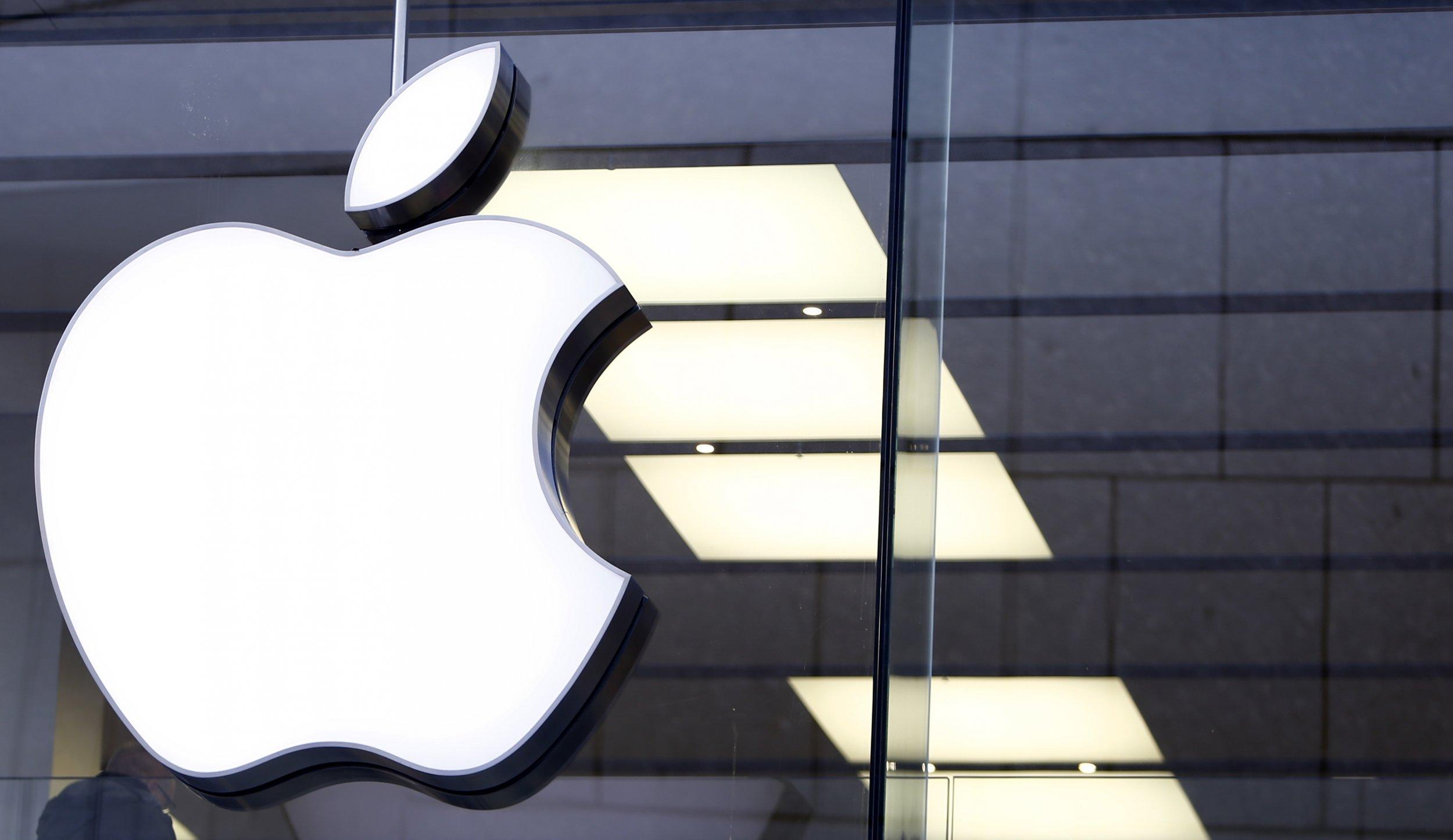 02_18_apple_clean_energy_01