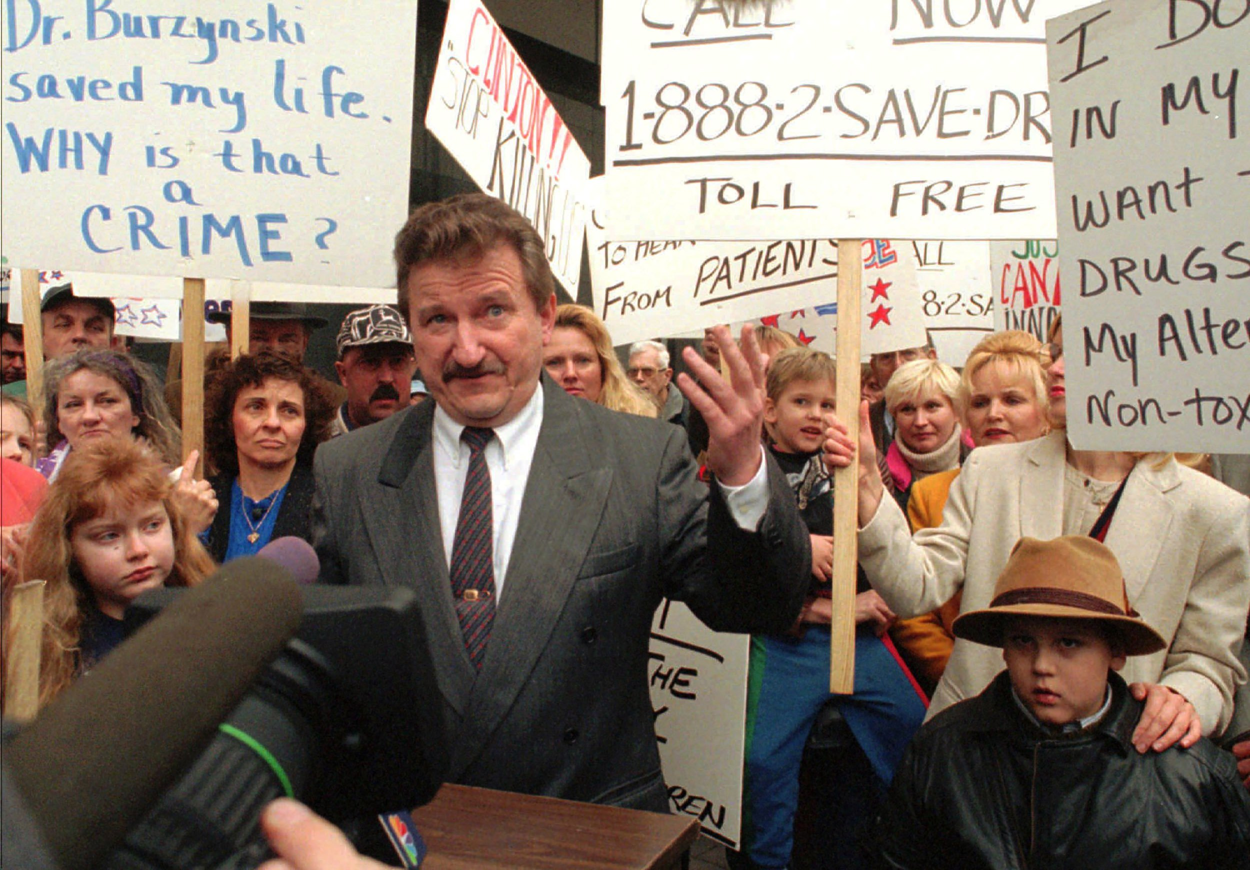 Cancer 'Visionary' Stanislaw Burzynski Stands Trial for