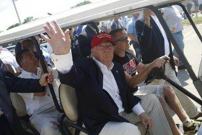 02_22_Trump_Golf_01