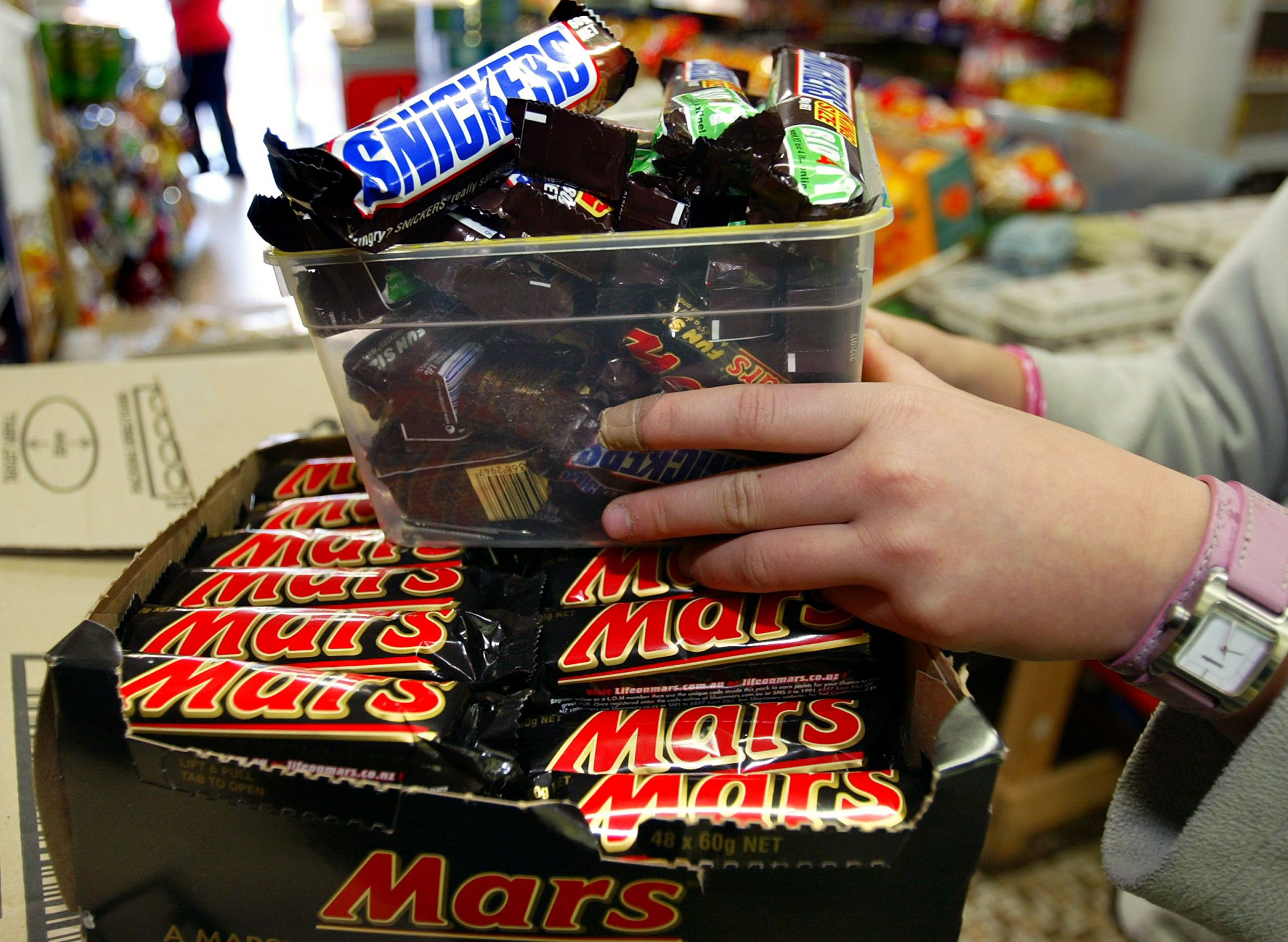 mars chocolate recall plastic