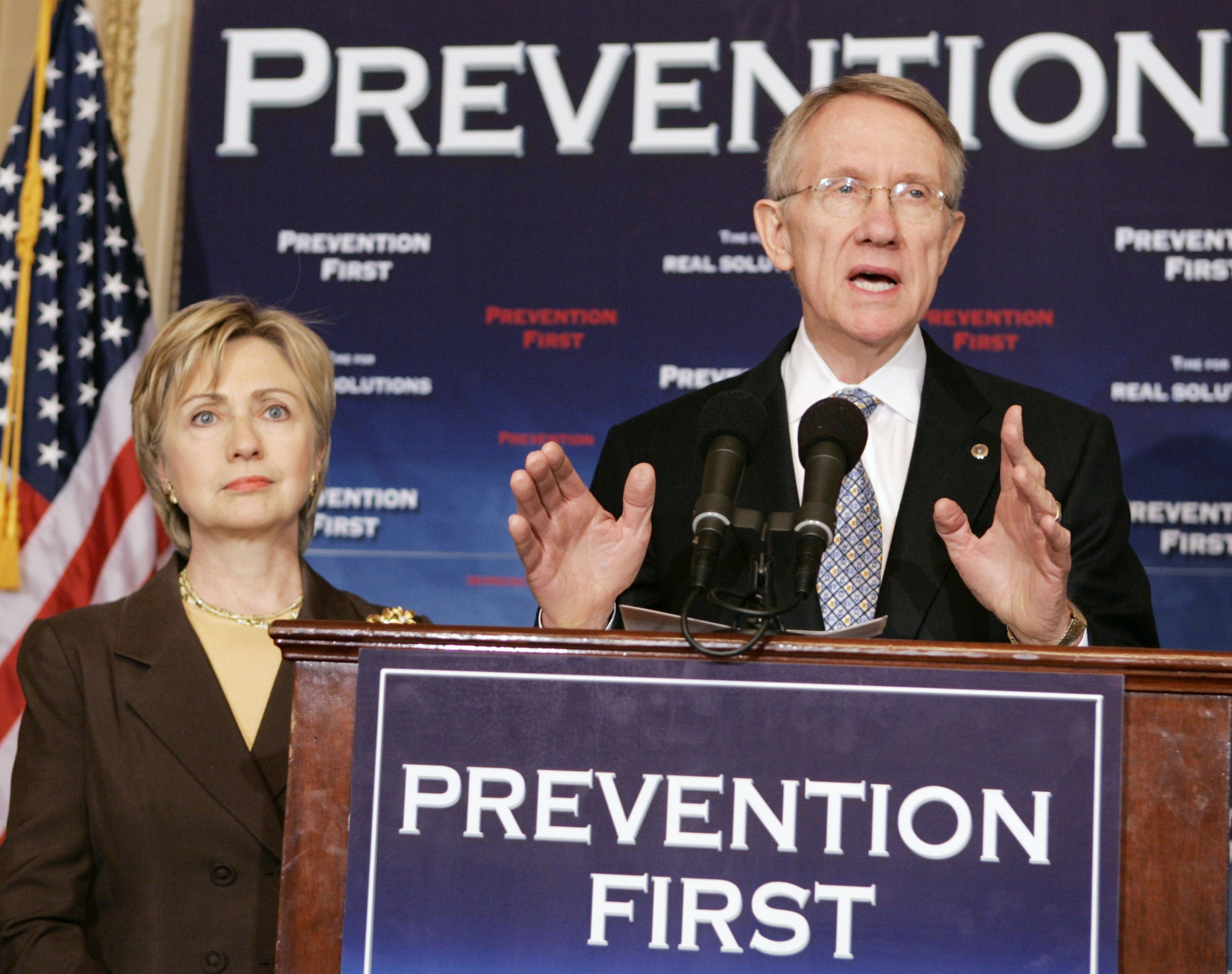 0224_Harry_Reid_endorses_Hillary_Clinton_01