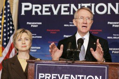 0224_Harry_Reid_endorses_Hillary_Clinton_01