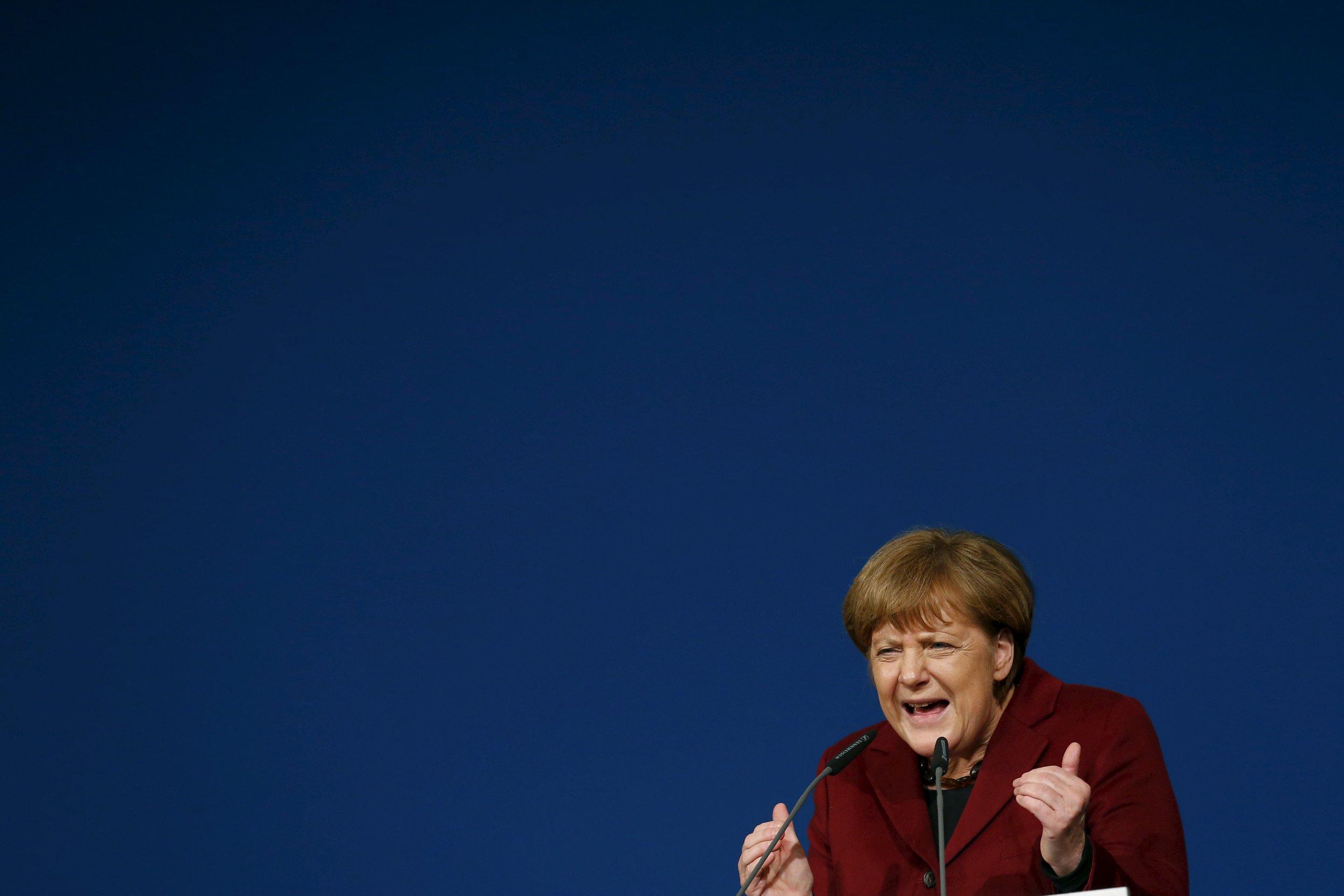 02_24_Merkel_Isolated_01