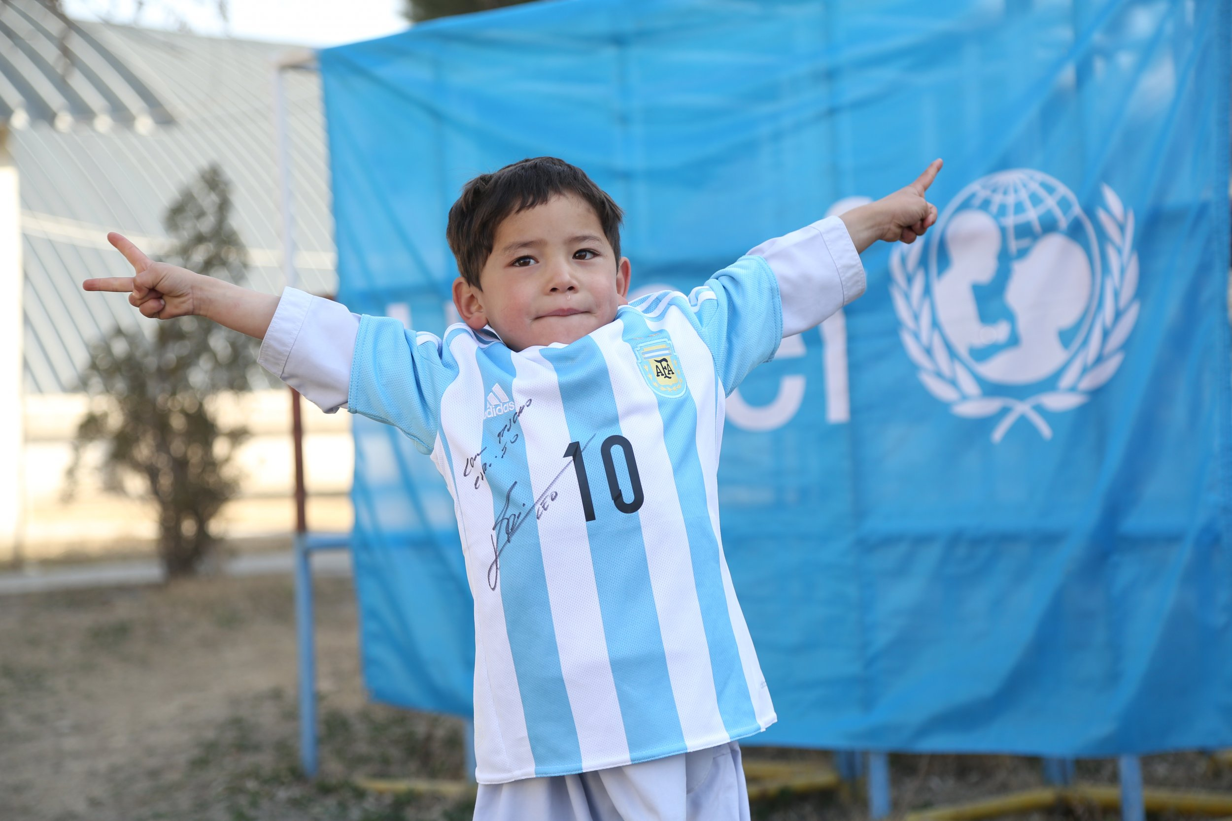 messi shirt afghan boy_0225