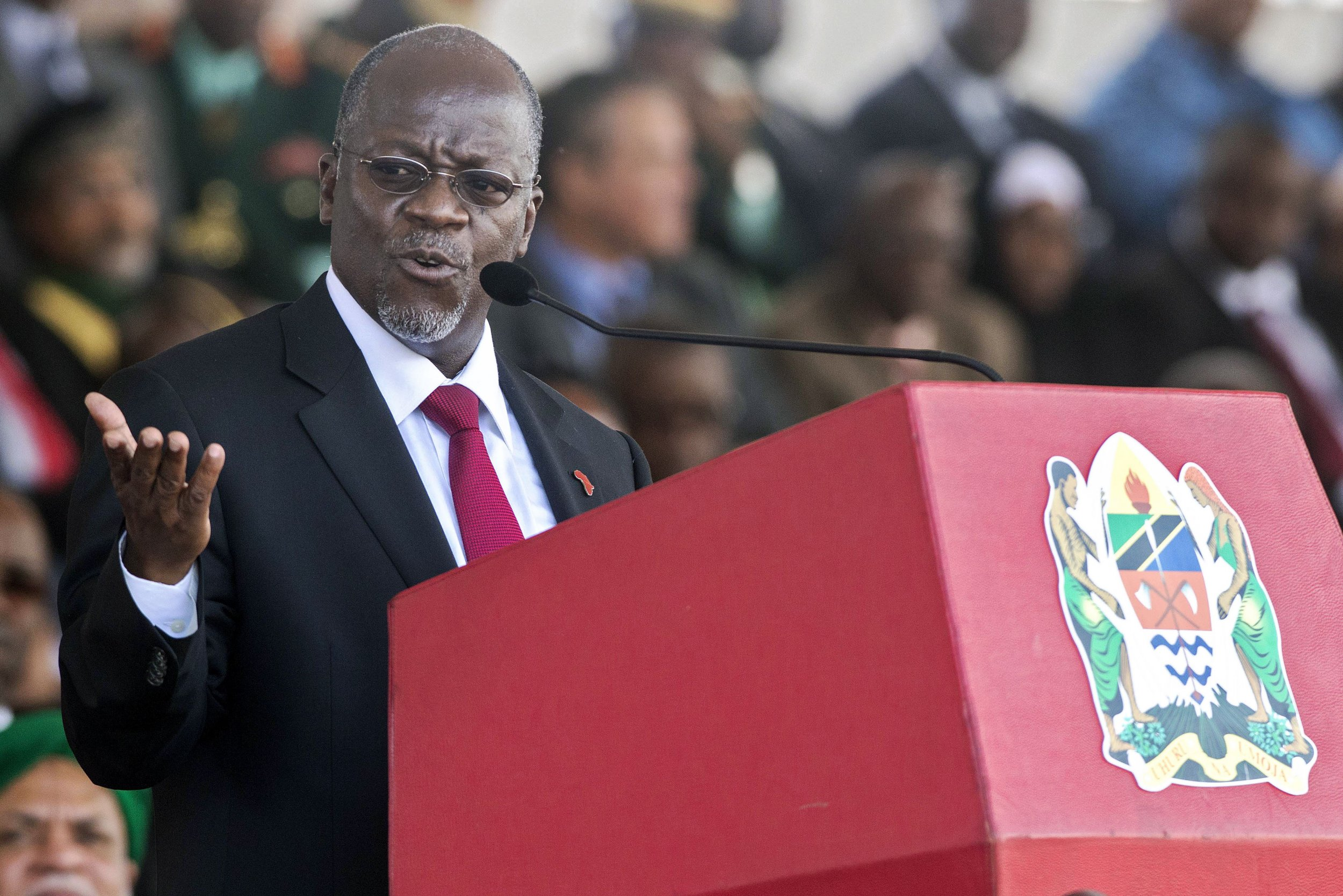Tanzanian President John Magufuli speaks at his swearing in ceremony.