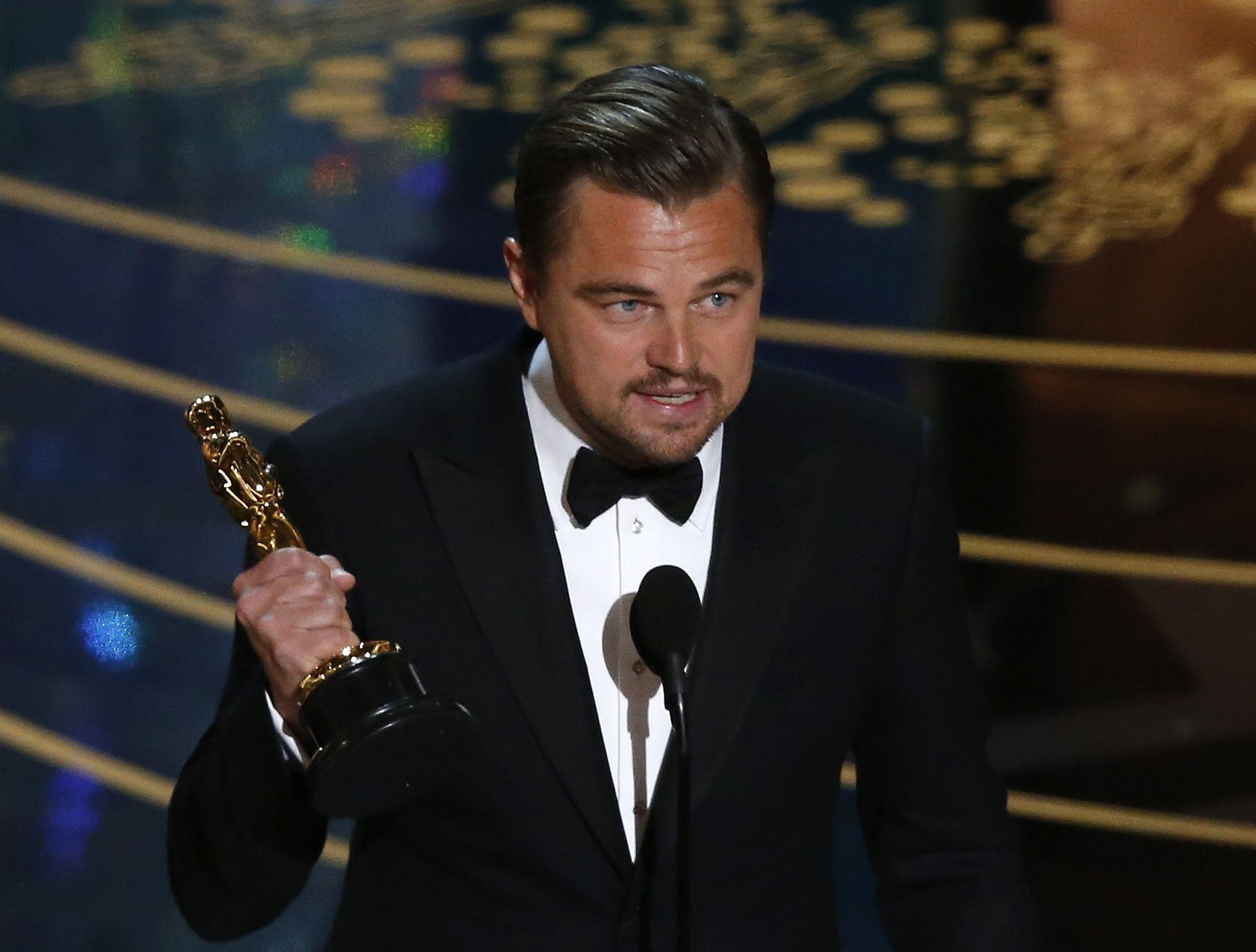 Leonardo DiCaprio wins Oscar